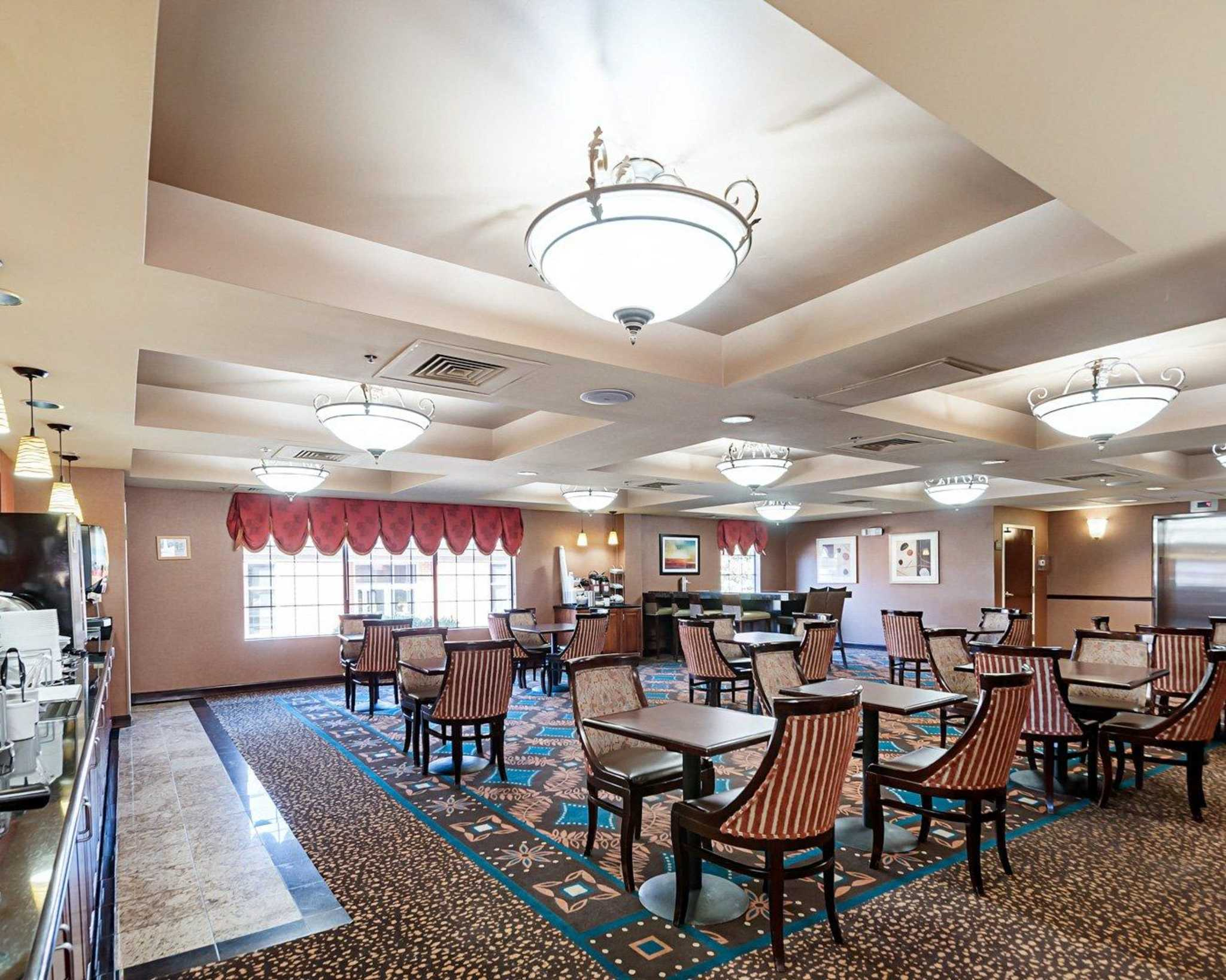 Comfort Suites Dulles Airport image 14