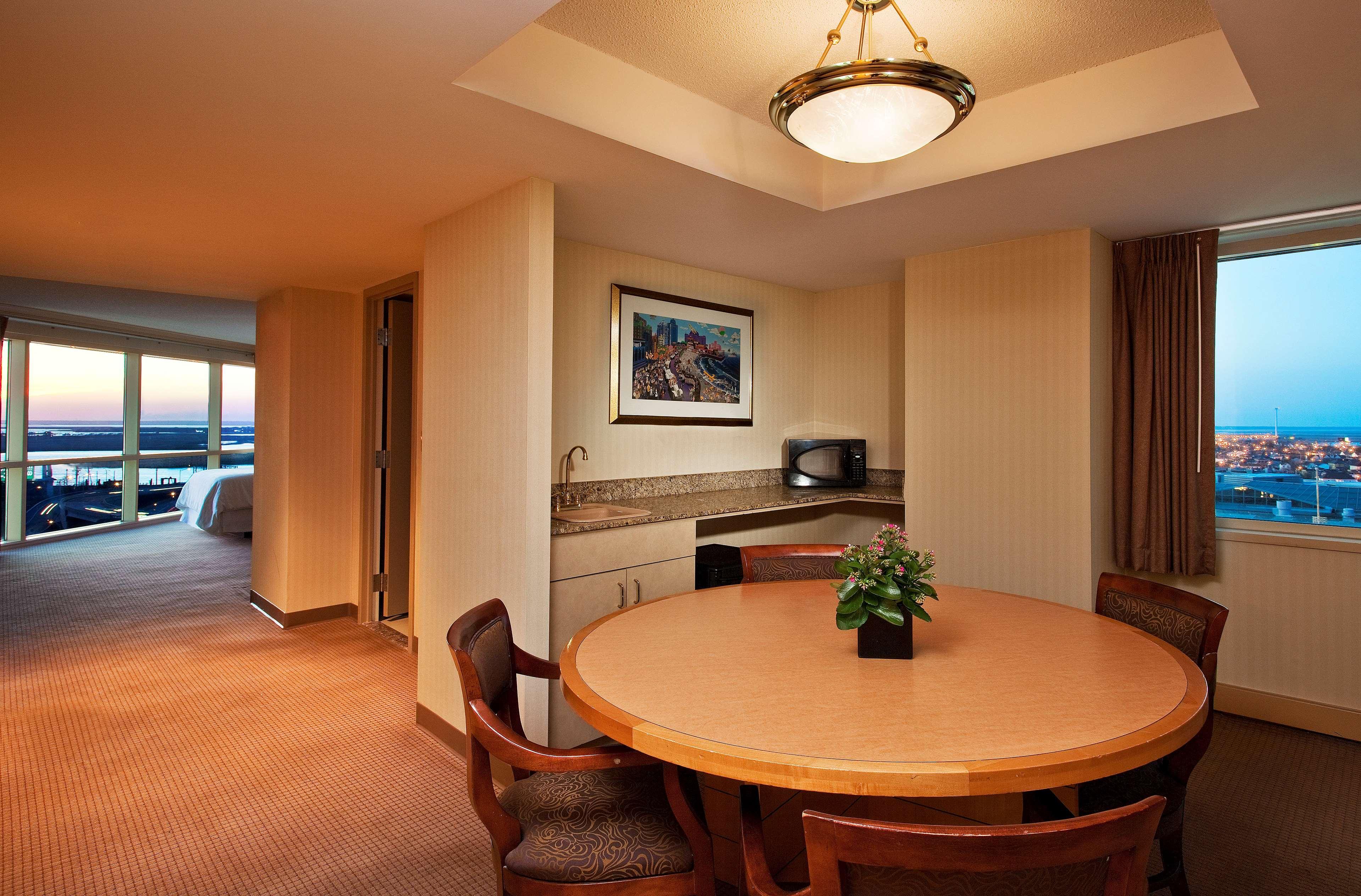 Sheraton Atlantic City Convention Center Hotel image 10