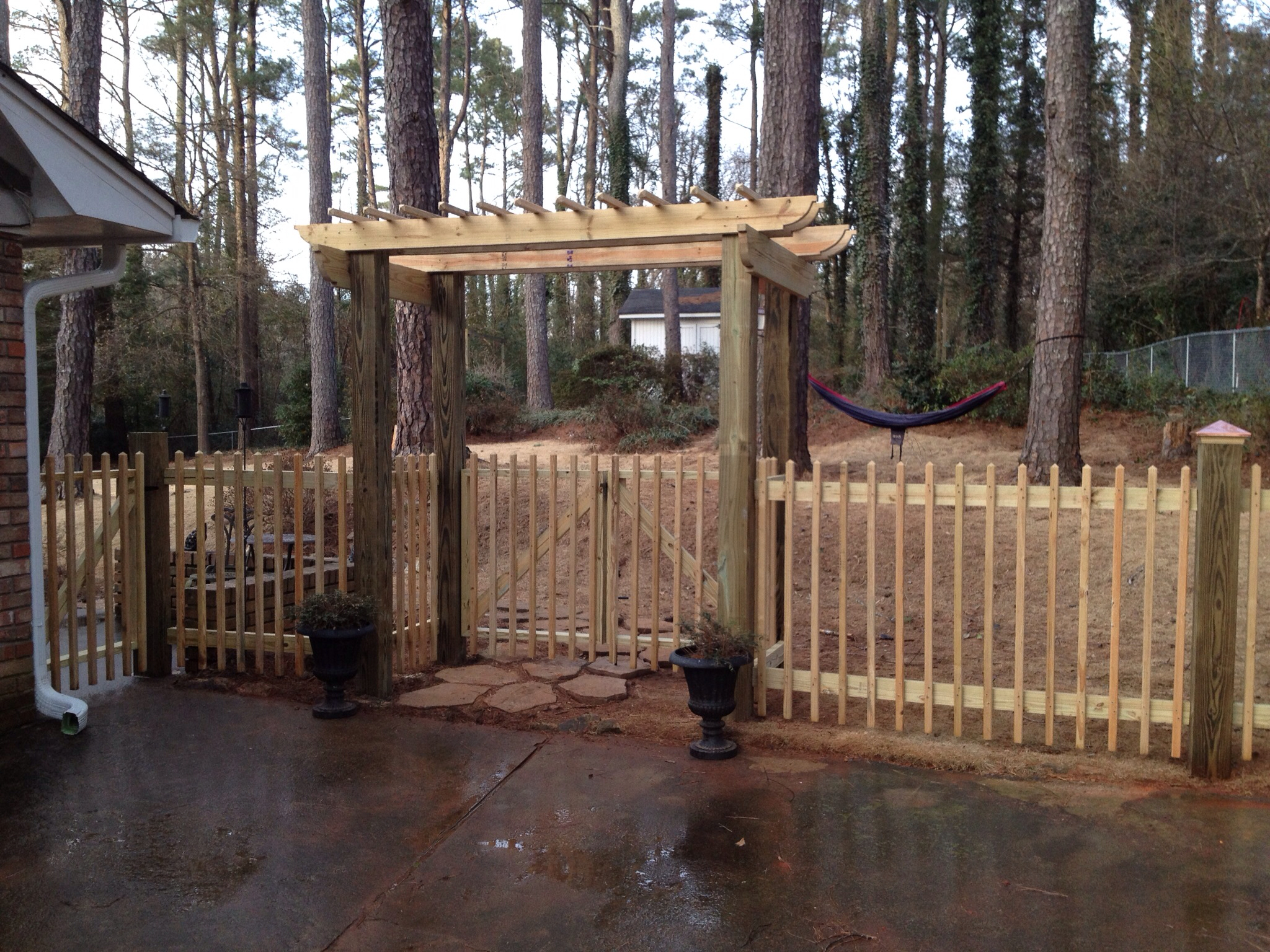 Akridge fence co winterville ga company profile for Fence with arbor