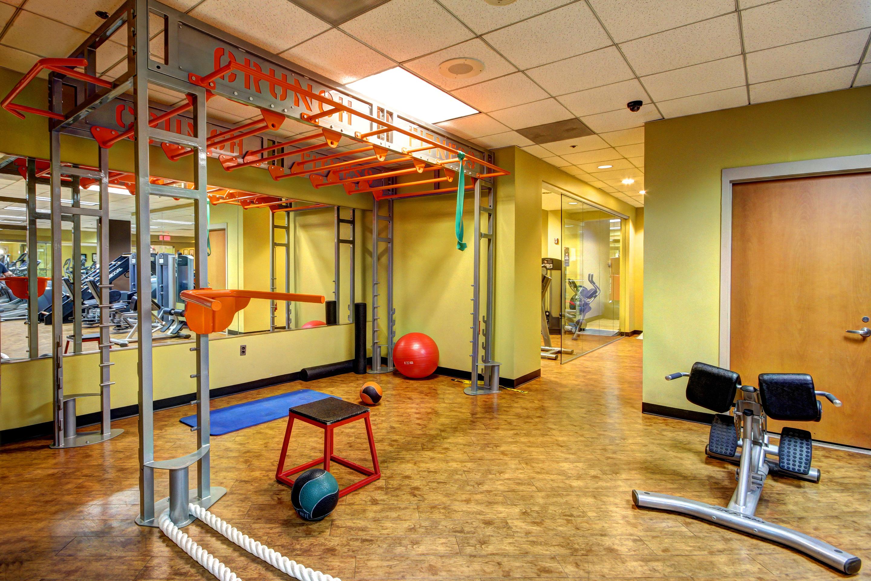 Crunch Fitness - Metro Center image 5