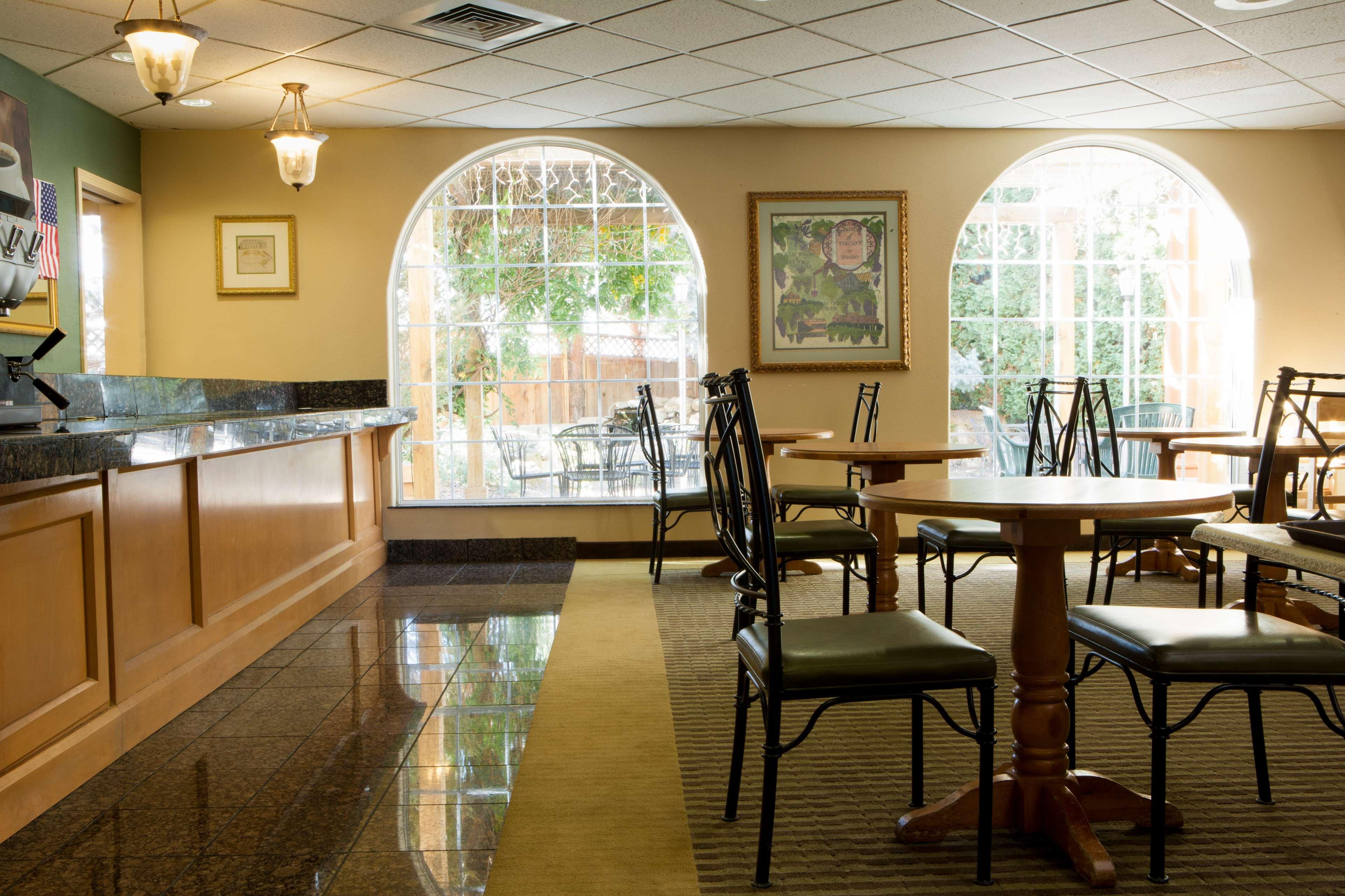 Best Western Plus Caldwell Inn & Suites image 8