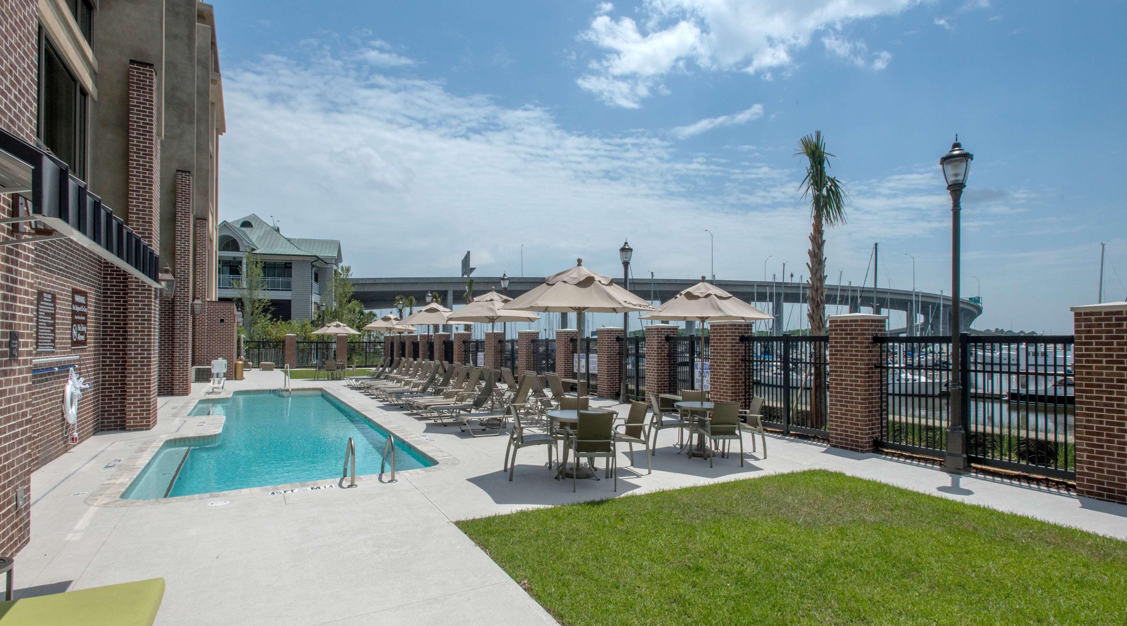 Hilton Garden Inn Charleston Waterfront/Downtown image 6