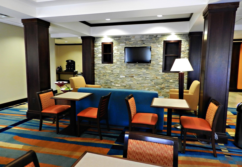 Fairfield Inn & Suites by Marriott Slippery Rock image 4