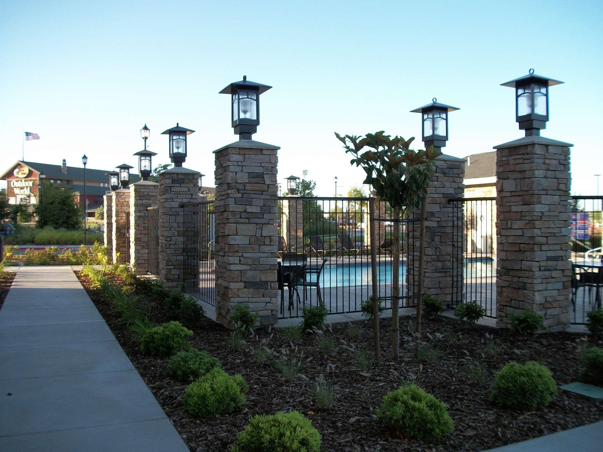 Hampton Inn & Suites Manteca image 14