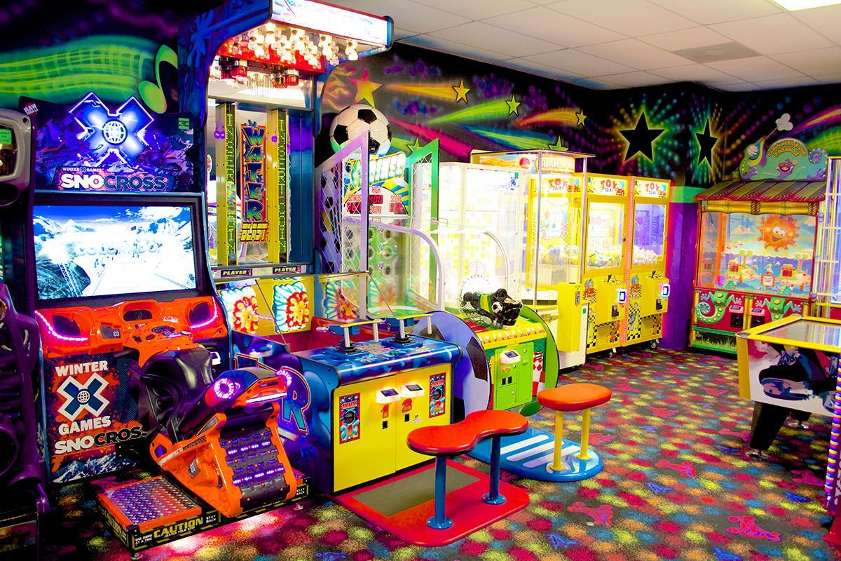 Sparkles Family Fun Center Coupons Near Me In Kennesaw