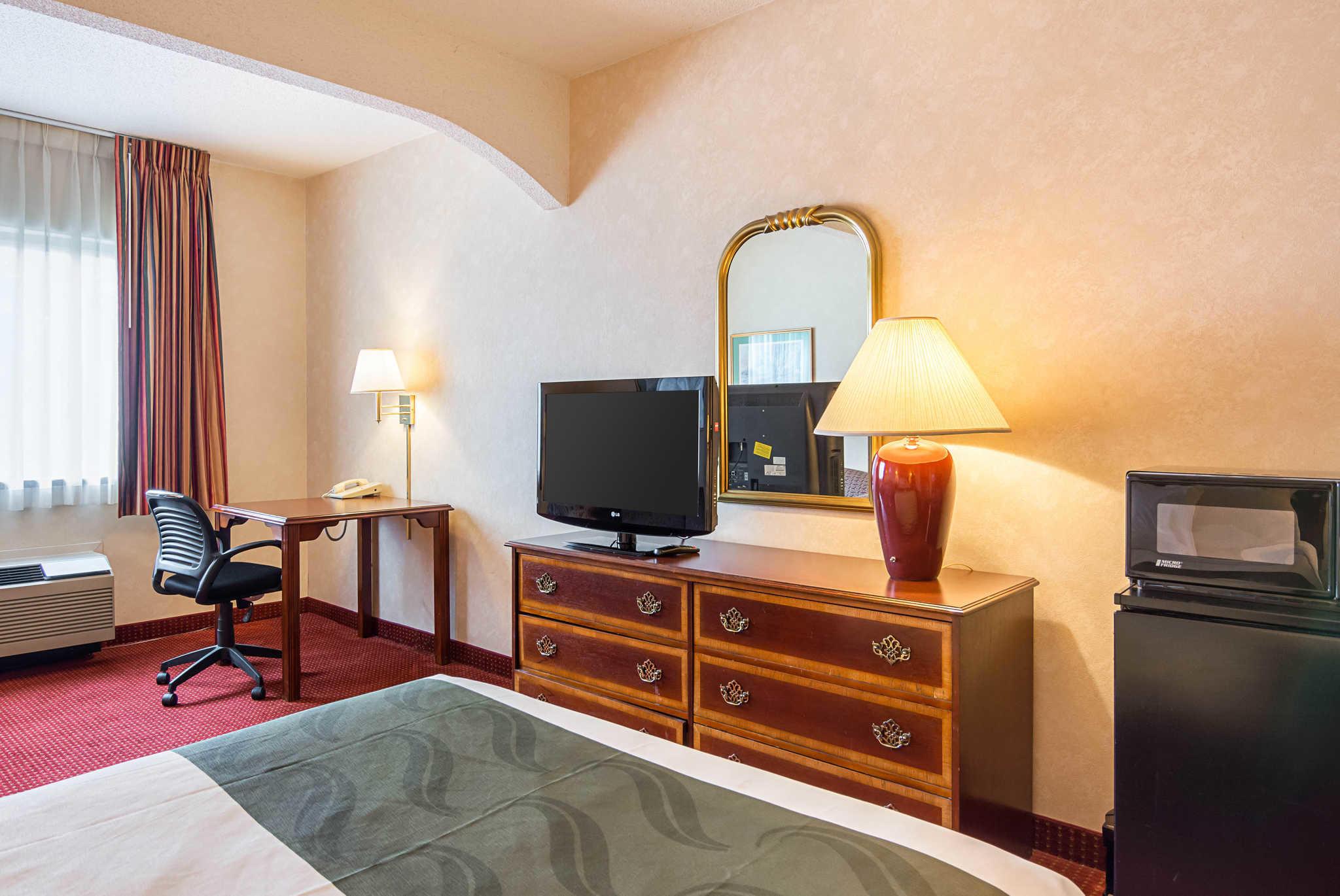 Quality Inn & Suites Kearneysville - Martinsburg image 12