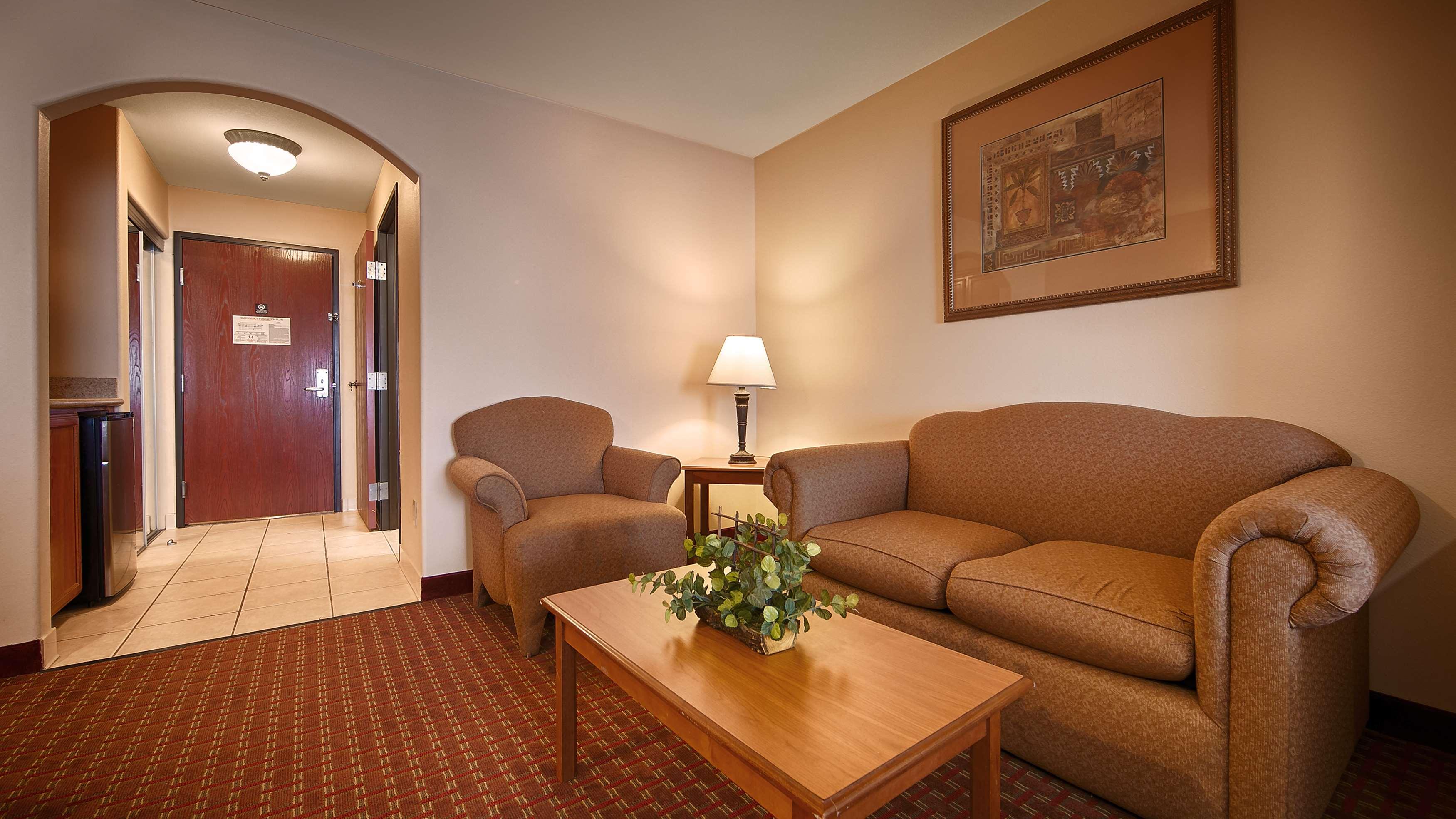 Best Western Casa Villa Suites image 32