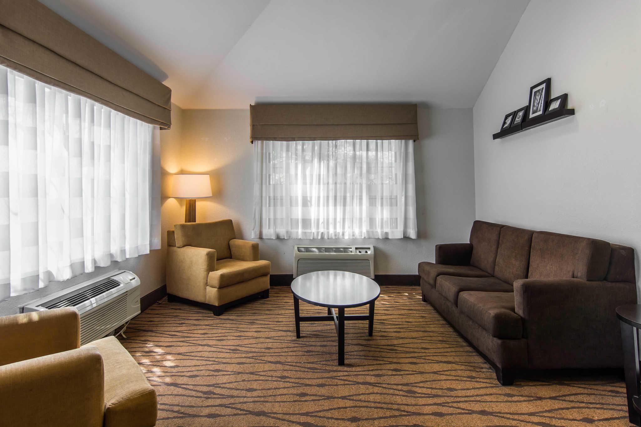 Sleep Inn & Suites Chesapeake - Portsmouth image 7