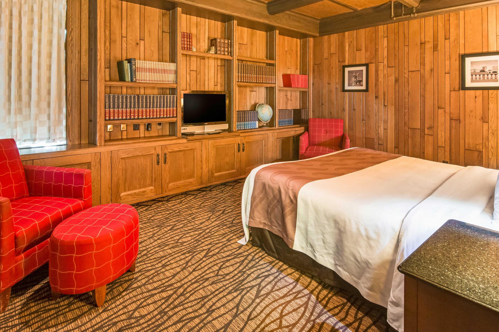 Quality Inn & Suites image 24