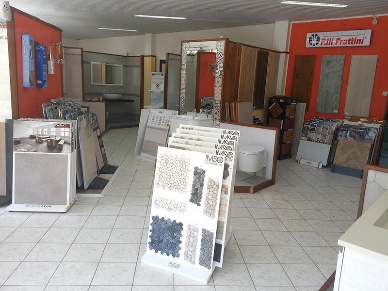 Il bagno di bonelli vetreria d 39 arte vetro soffiato - Ingrosso arredo bagno roma ...