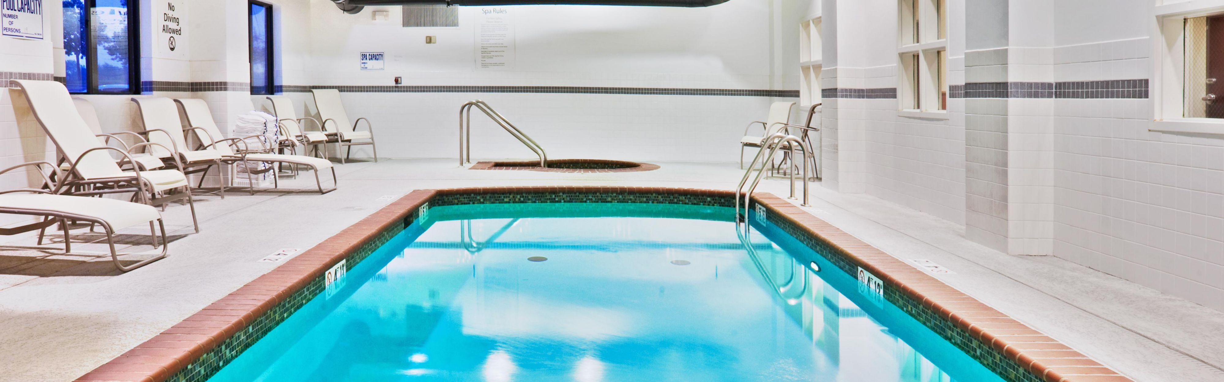 Holiday Inn Express & Suites Bartlesville image 1