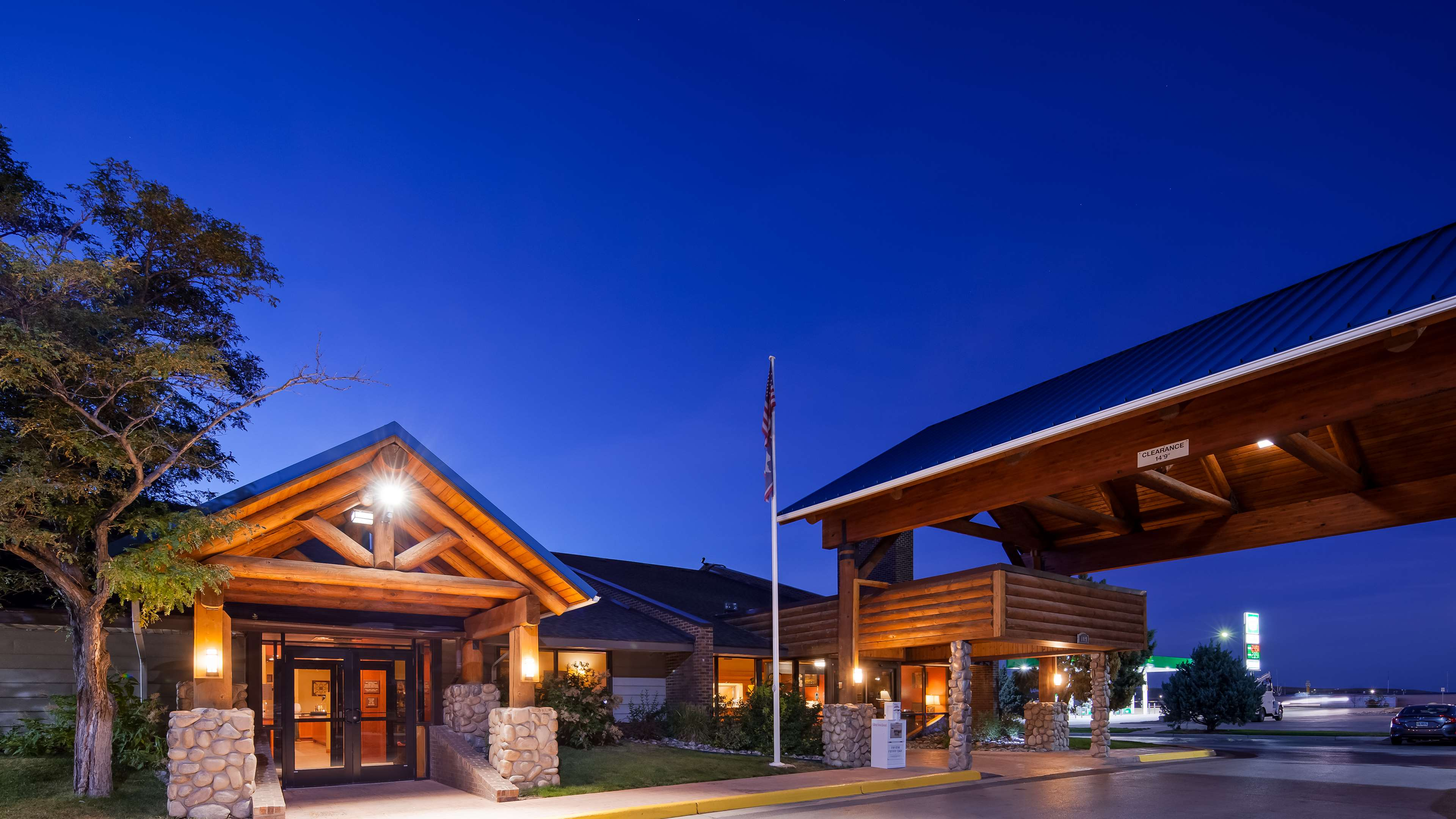 Best Western Tower West Lodge image 0