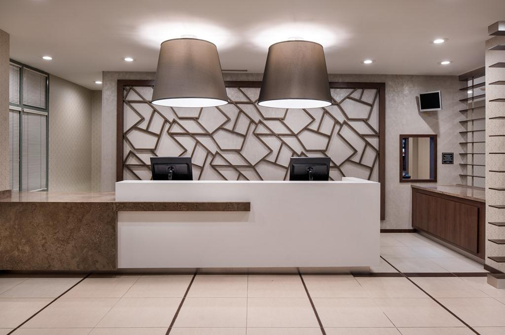 Front Desk - From the moment you check in, you'll see that our newly renovated property is unlike any other extended-stay hotel in Orange County. Expect a warm welcome from our guest services team, available 24 hours a day.