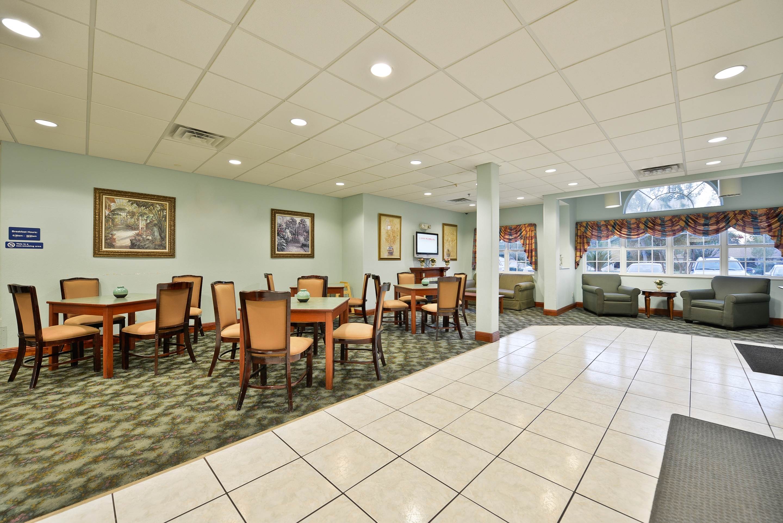 Americas Best Value Inn & Suites - Lake Charles / I - 210 Exit 5 image 7