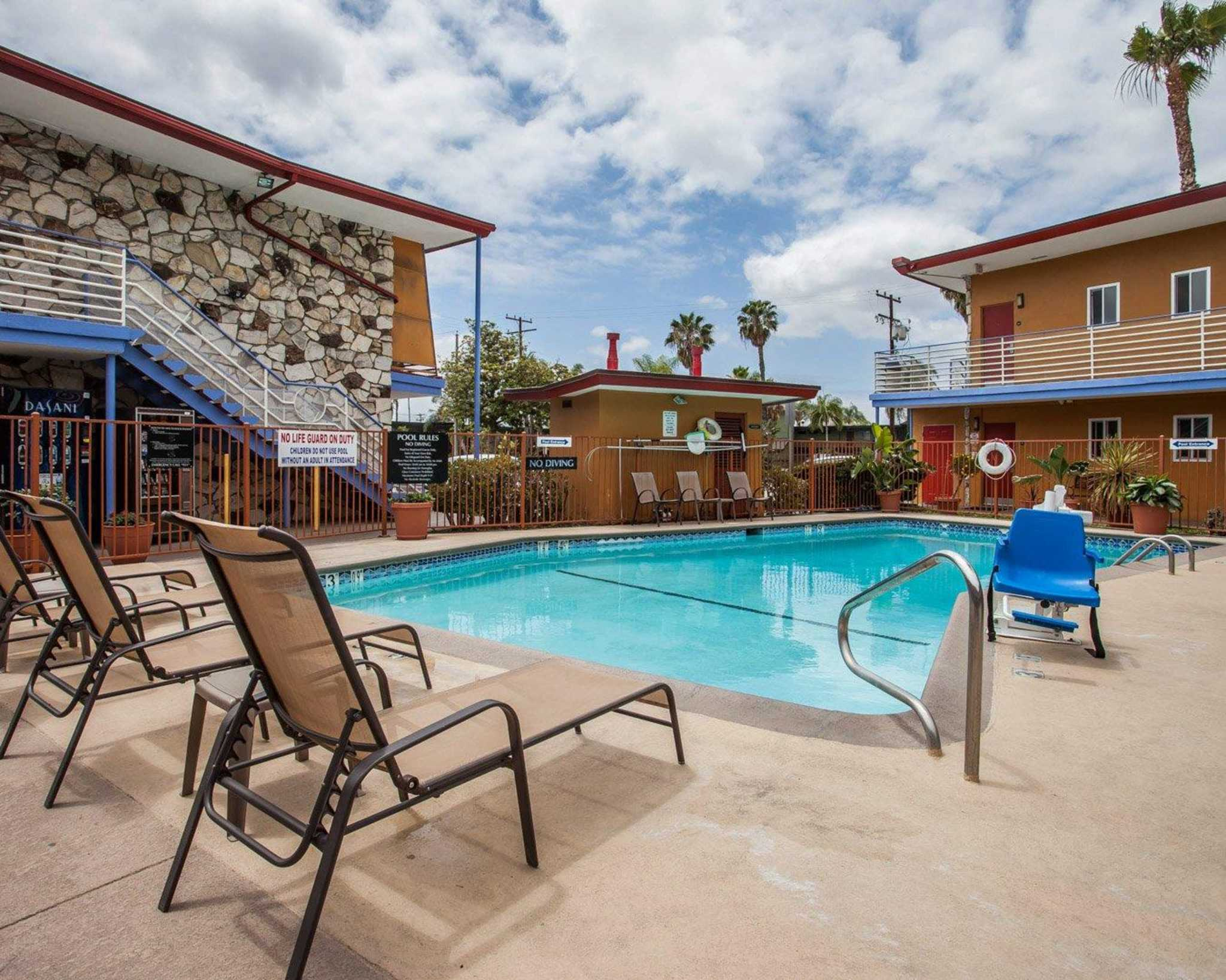 Quality Inn & Suites Anaheim at the Park image 10
