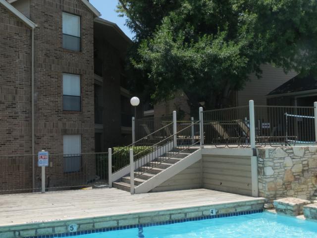 Silver Creek Apartments image 9