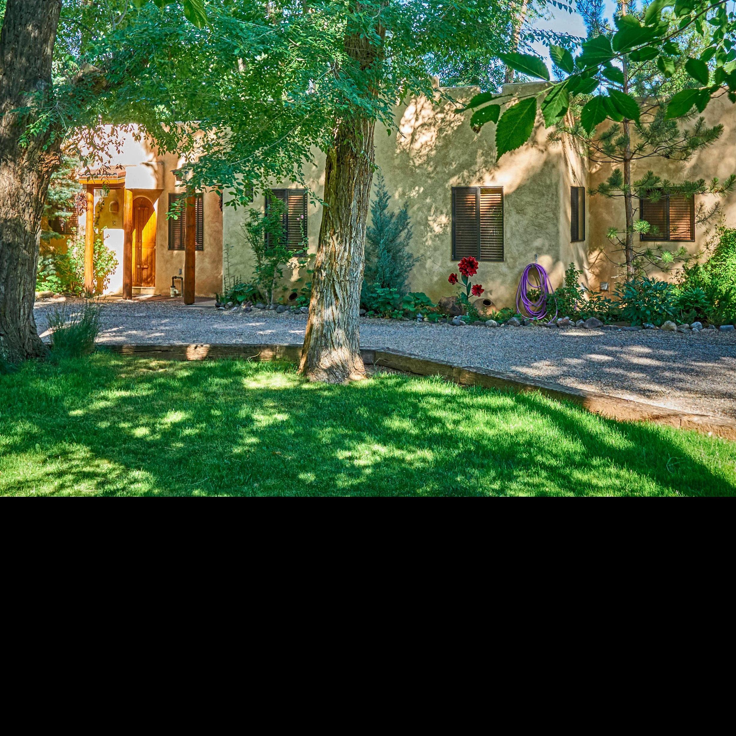 Burch Street Casitas Hotel Downtown Taos