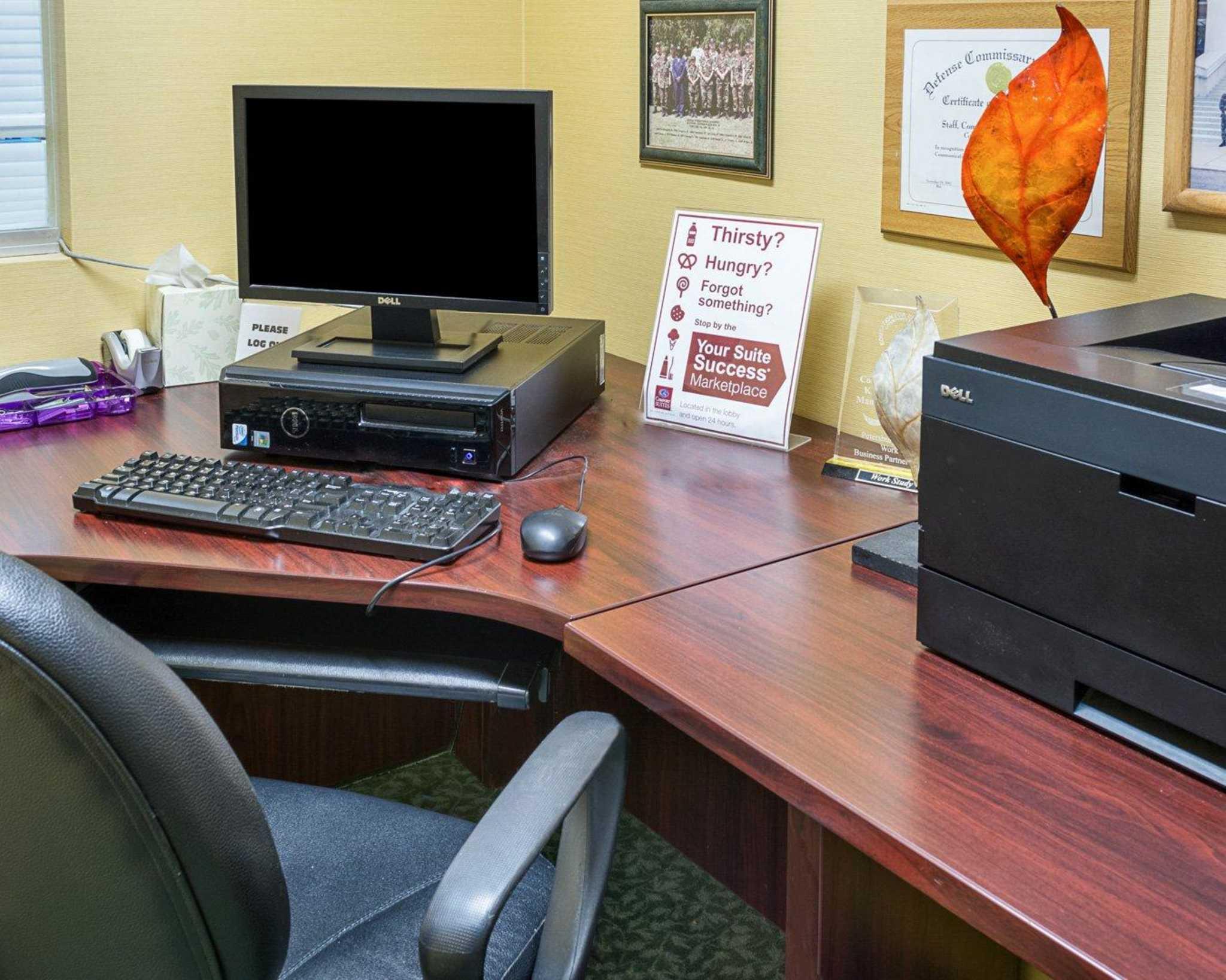 Comfort Suites Southpark image 28