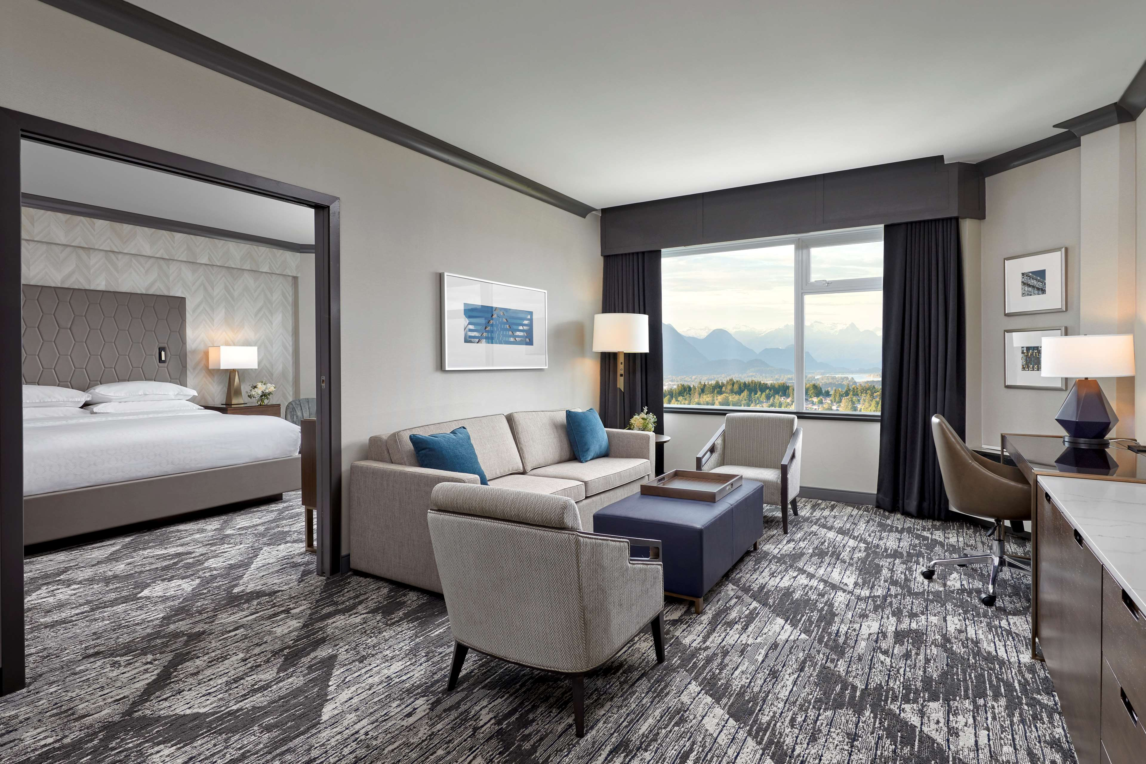 Sheraton Vancouver Guildford Hotel in Surrey: Club Penthouse Suite