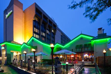 Radisson Hotel Milwaukee West image 0