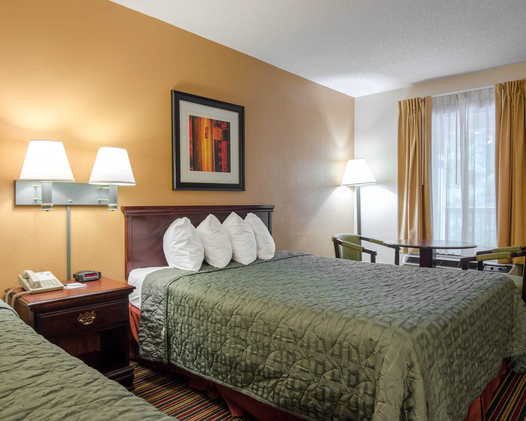 Quality Inn image 16
