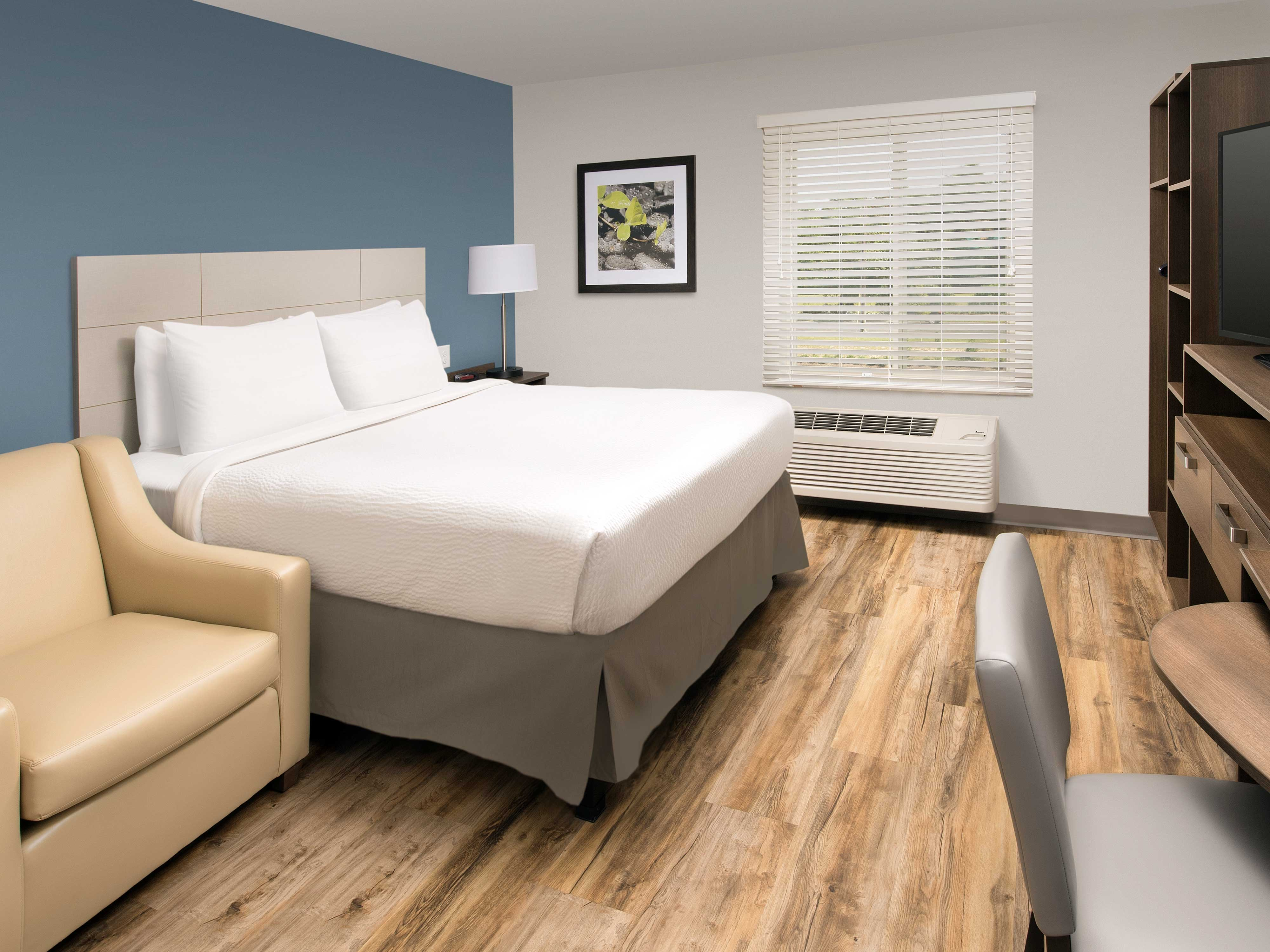 WoodSpring Suites Cherry Hill image 2