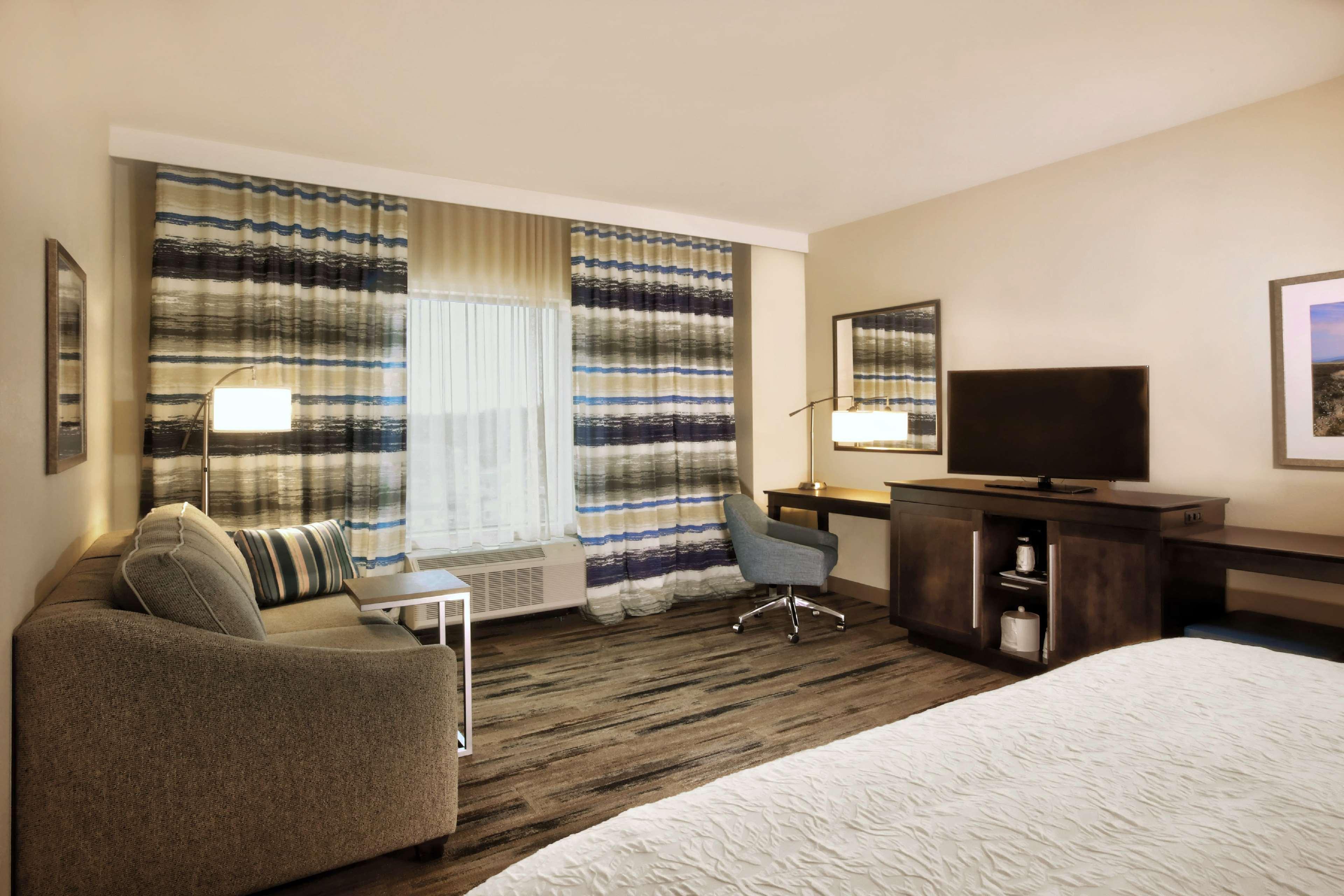 Hampton Inn & Suites Baltimore/Aberdeen image 23