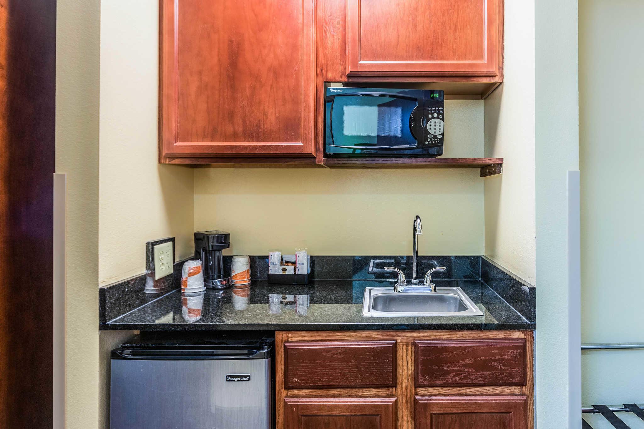 Comfort Inn & Suites North Aurora - Naperville image 24