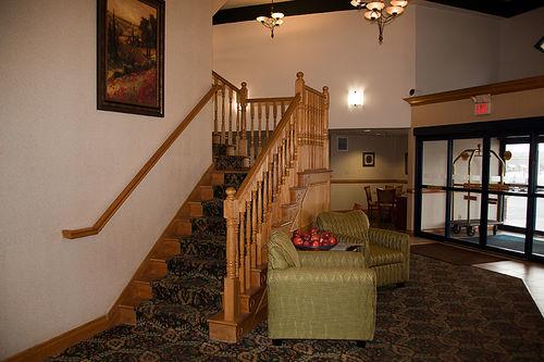 Holiday Inn Express & Suites Scottsburg image 4