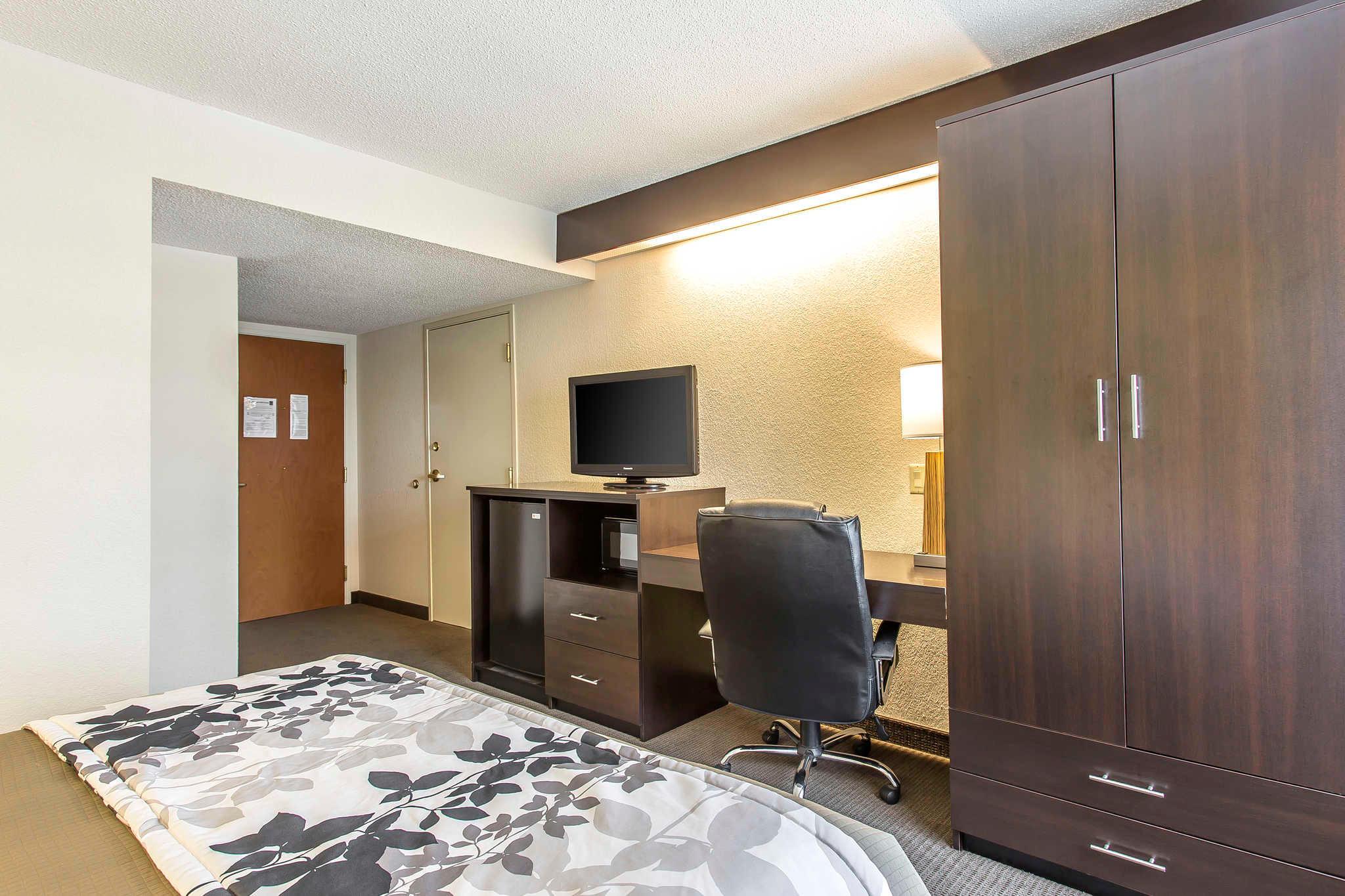 Sleep Inn & Suites image 12
