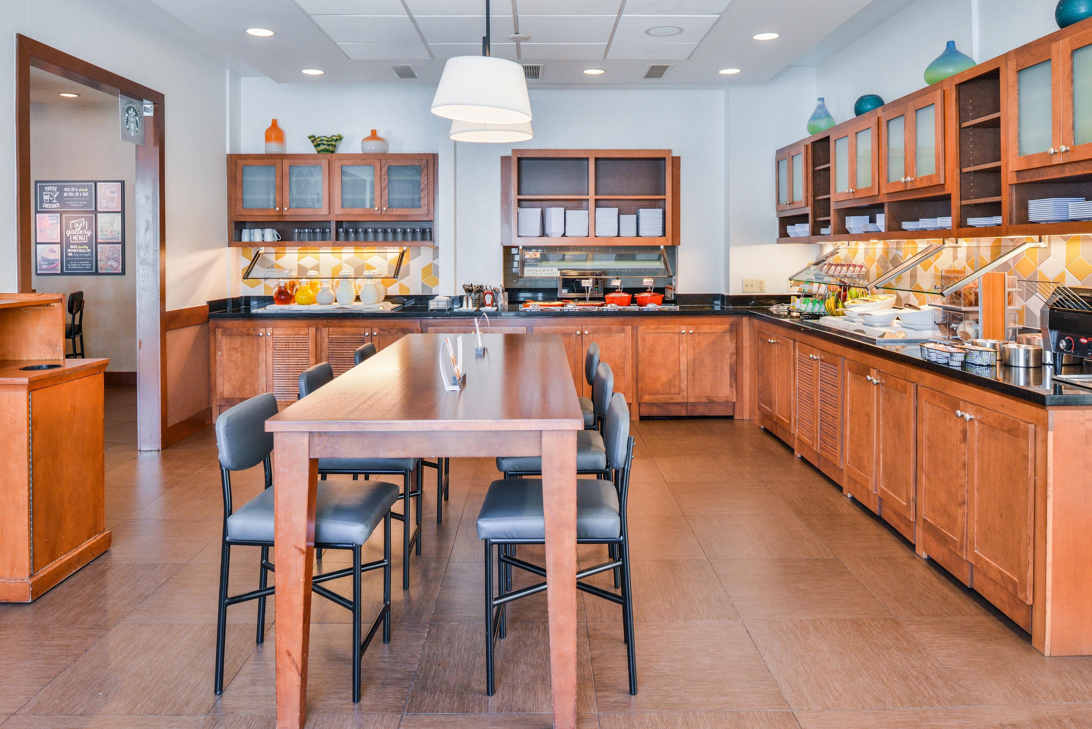 Hyatt Place Chesapeake/Greenbrier image 2