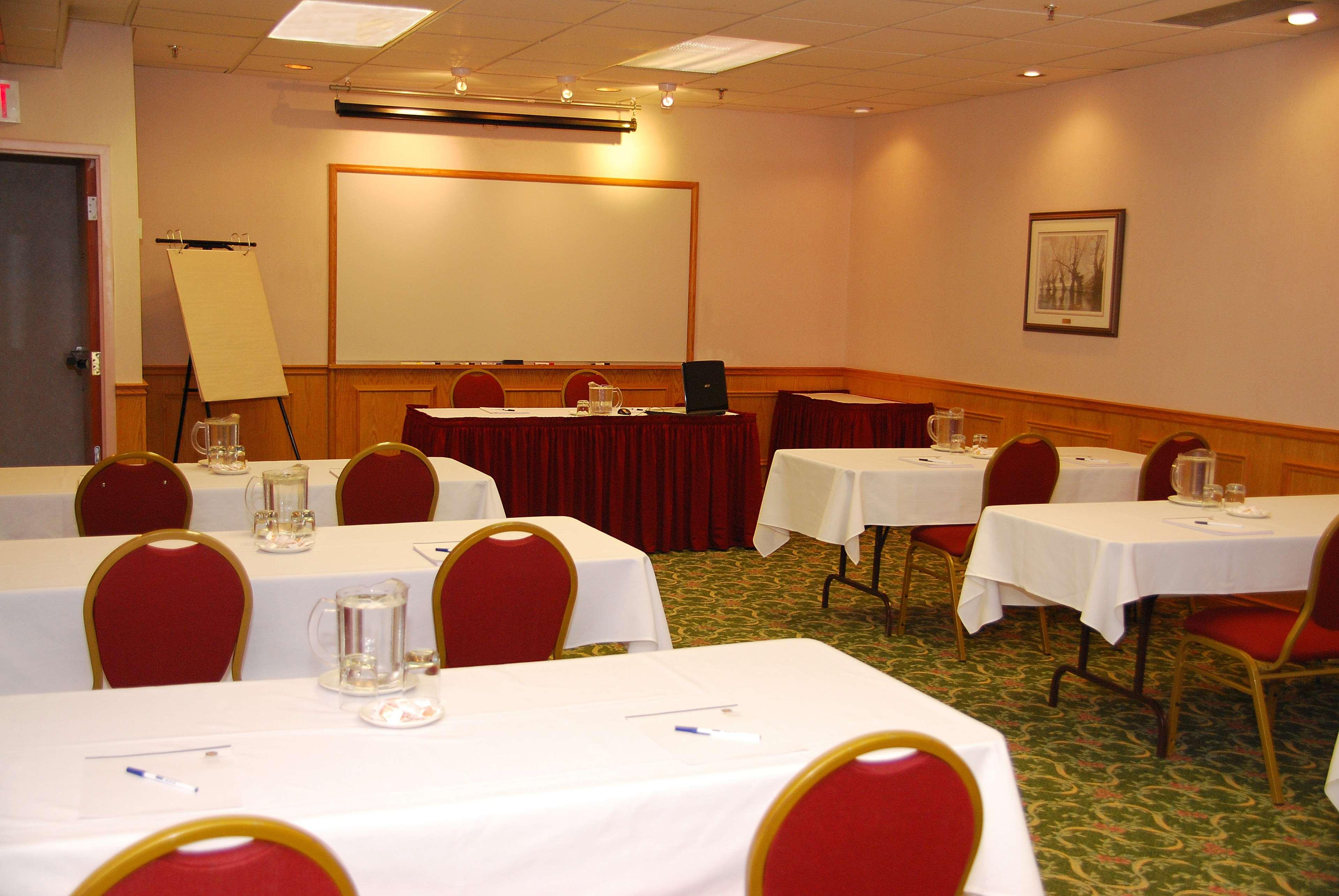 Best Western Voyageur Place Hotel Newmarket