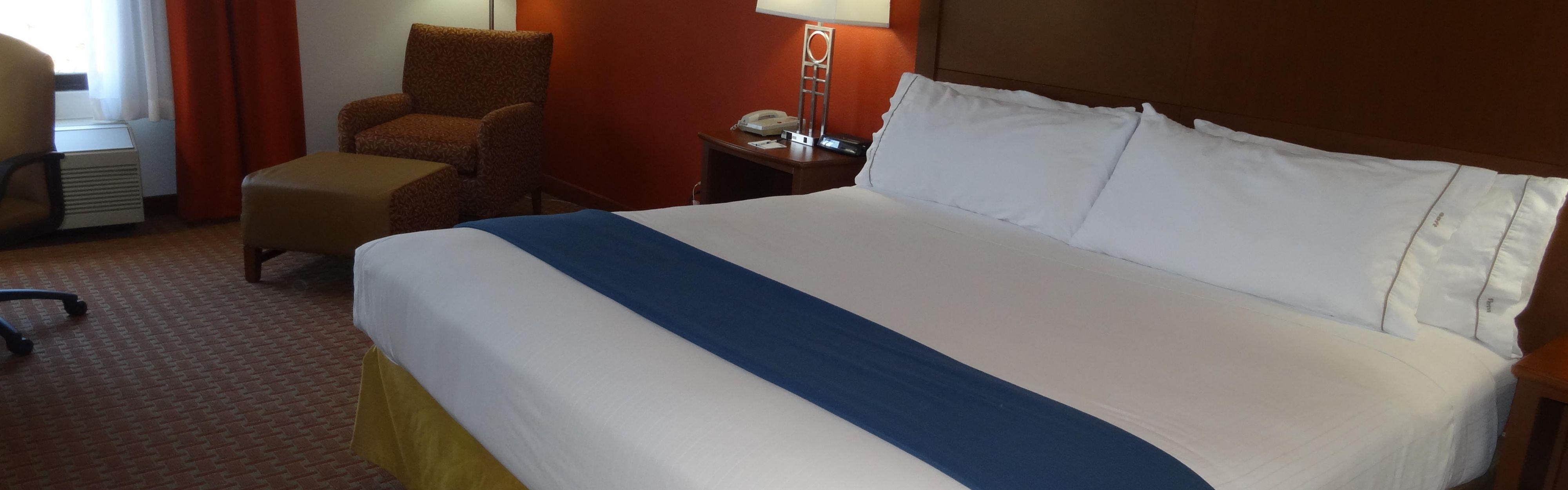 Holiday Inn Express Clayton (Se Raleigh) image 1