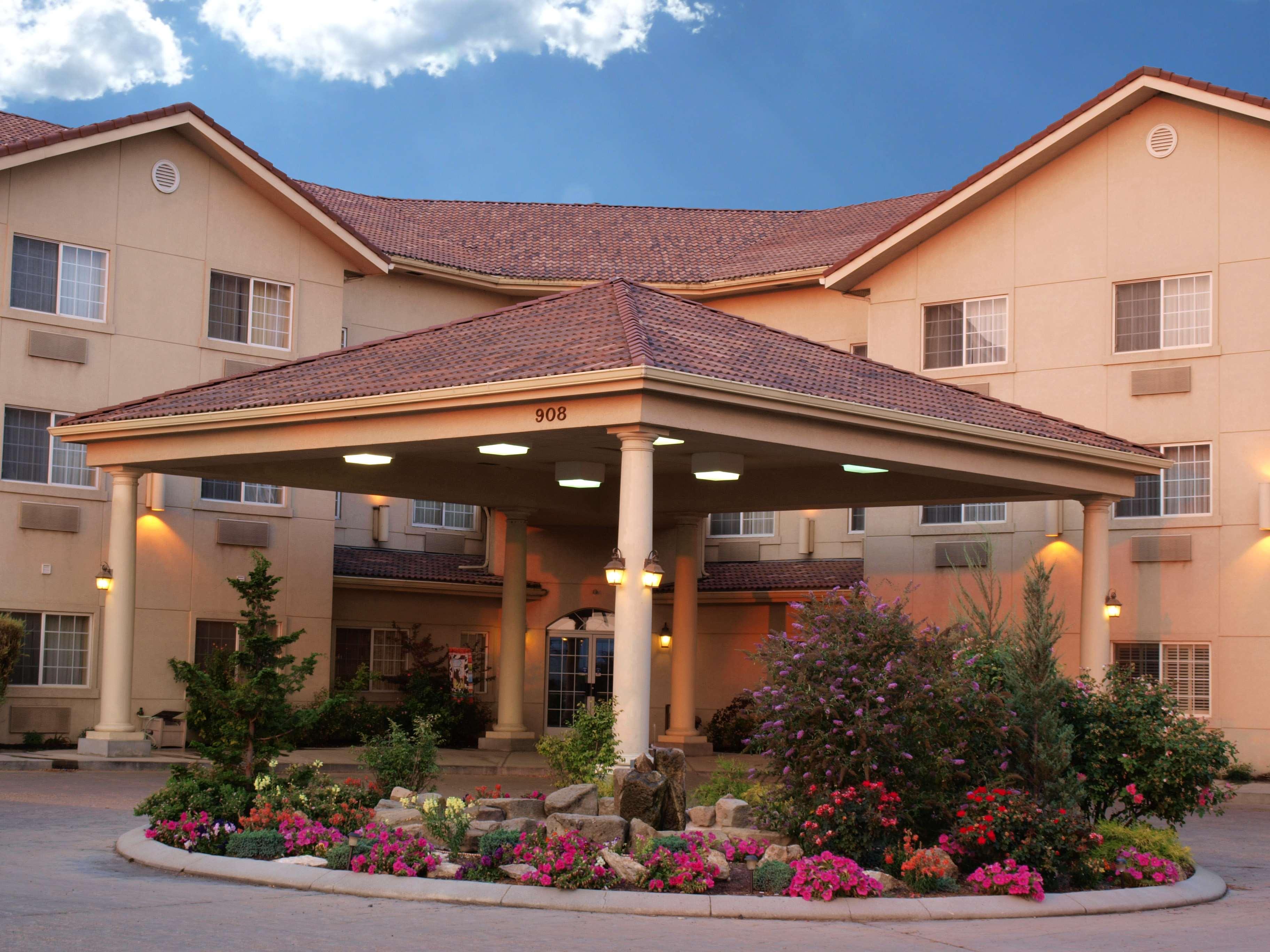 Best Western Plus Caldwell Inn & Suites image 1