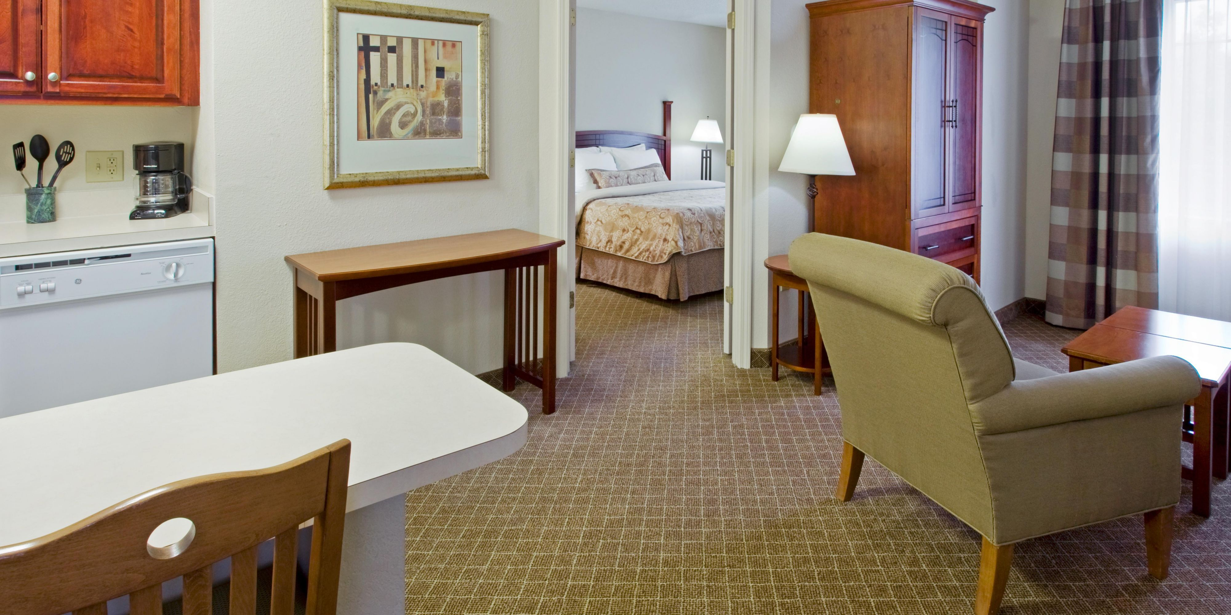Staybridge Suites Cranbury-South Brunswick image 1