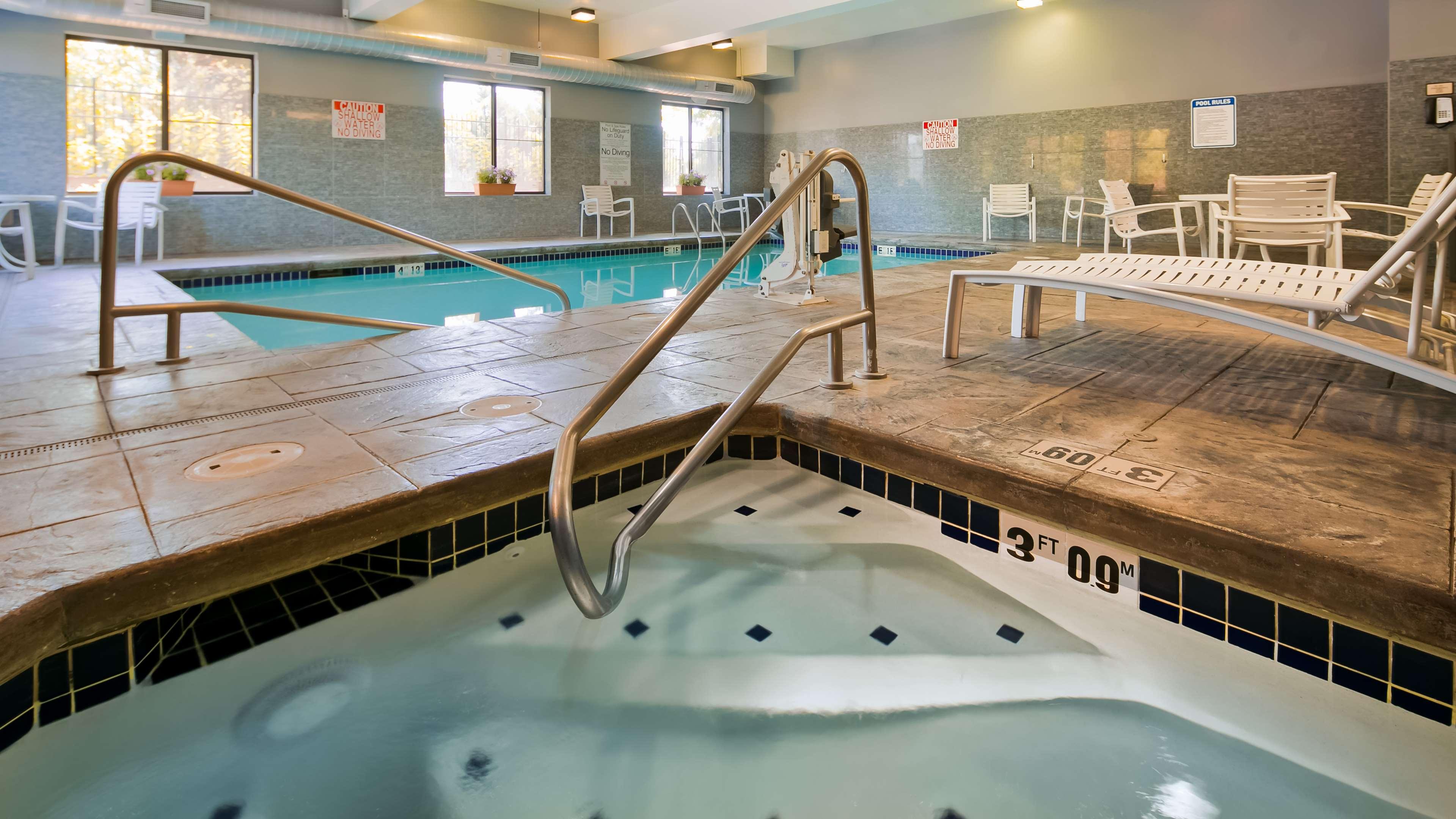Best Western Plus Lacey Inn & Suites image 3