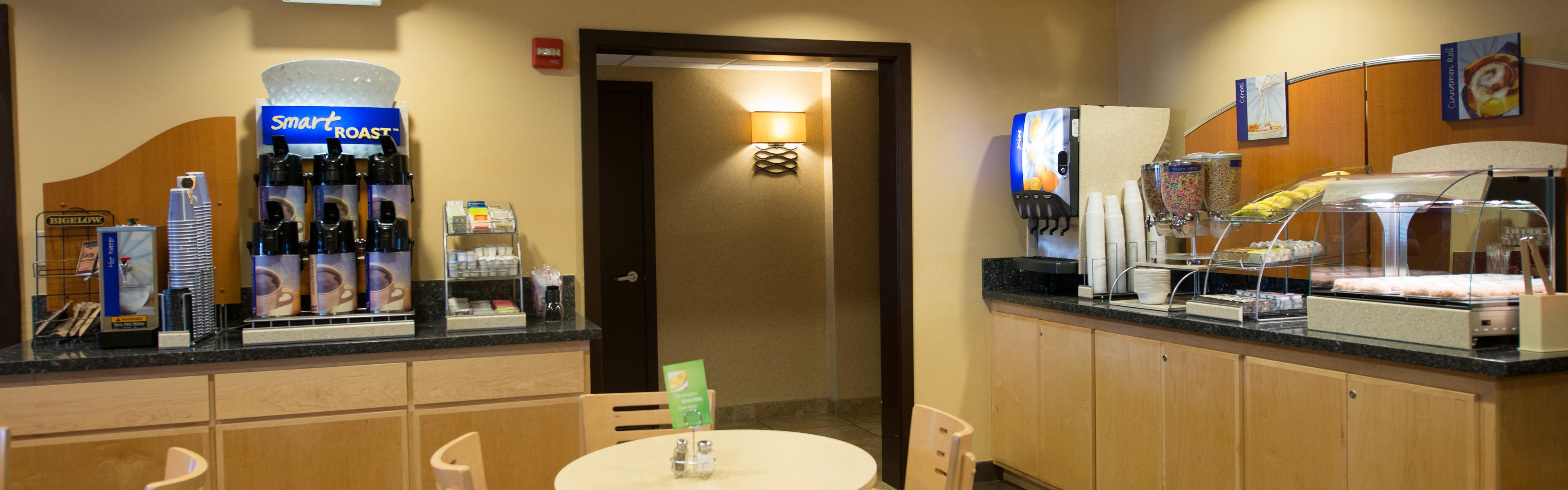 Holiday Inn Express Portland East - Troutdale image 3