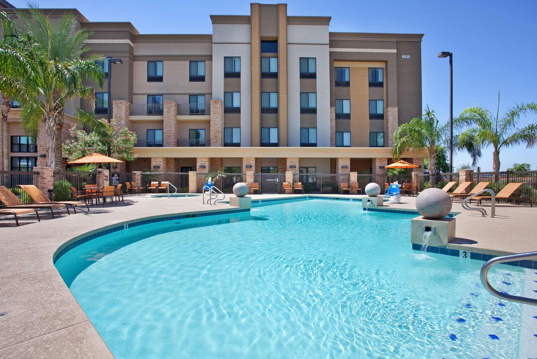 Hampton Inn & Suites Phoenix Glendale-Westgate image 20