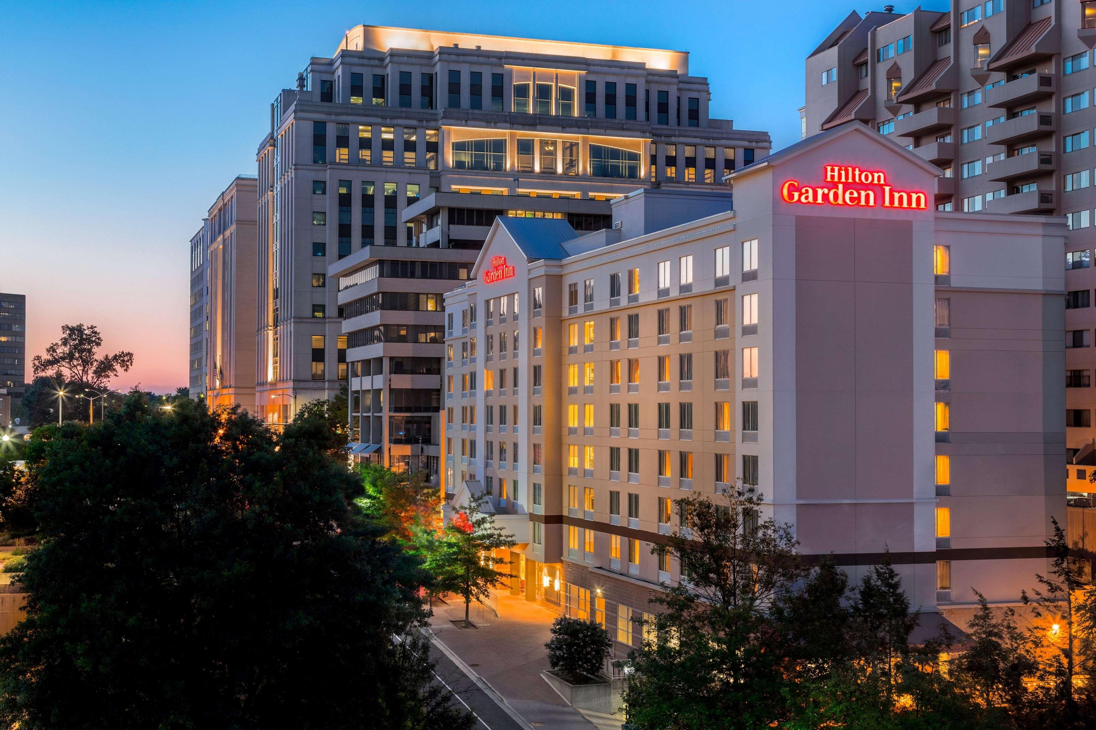Hilton Garden Inn Arlington/Courthouse Plaza image 36