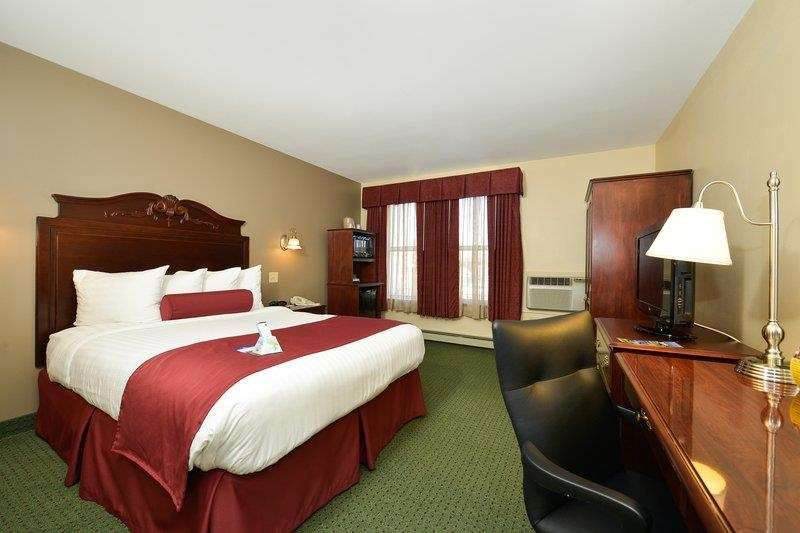 Best Western The Hotel Chequamegon image 21