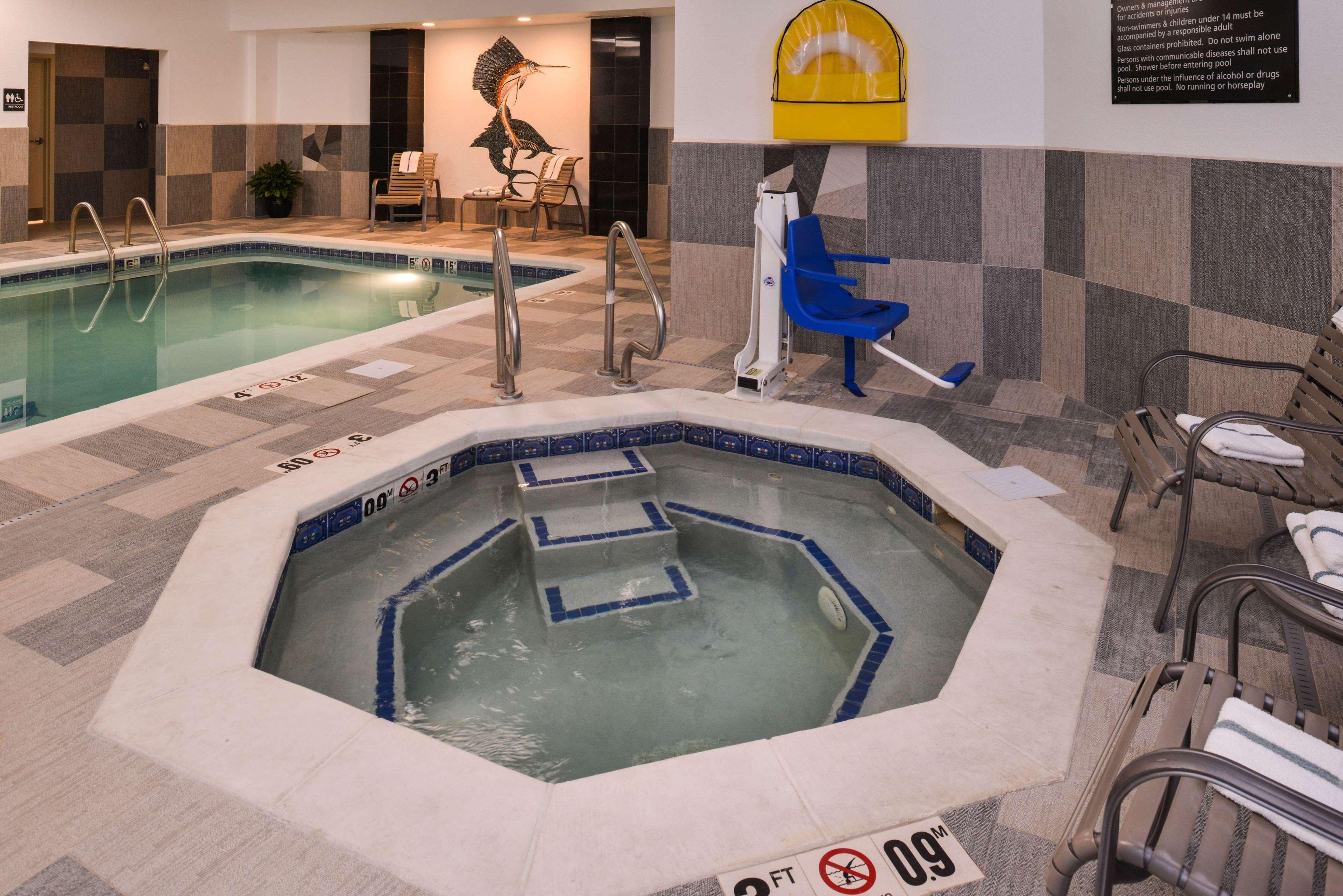 Hampton Inn & Suites Denver-Speer Boulevard image 22