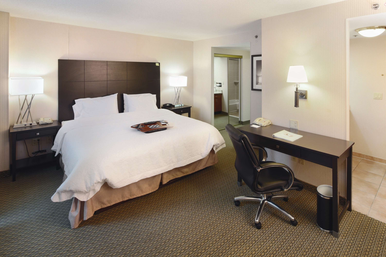 Hampton Inn & Suites Reagan National Airport image 26