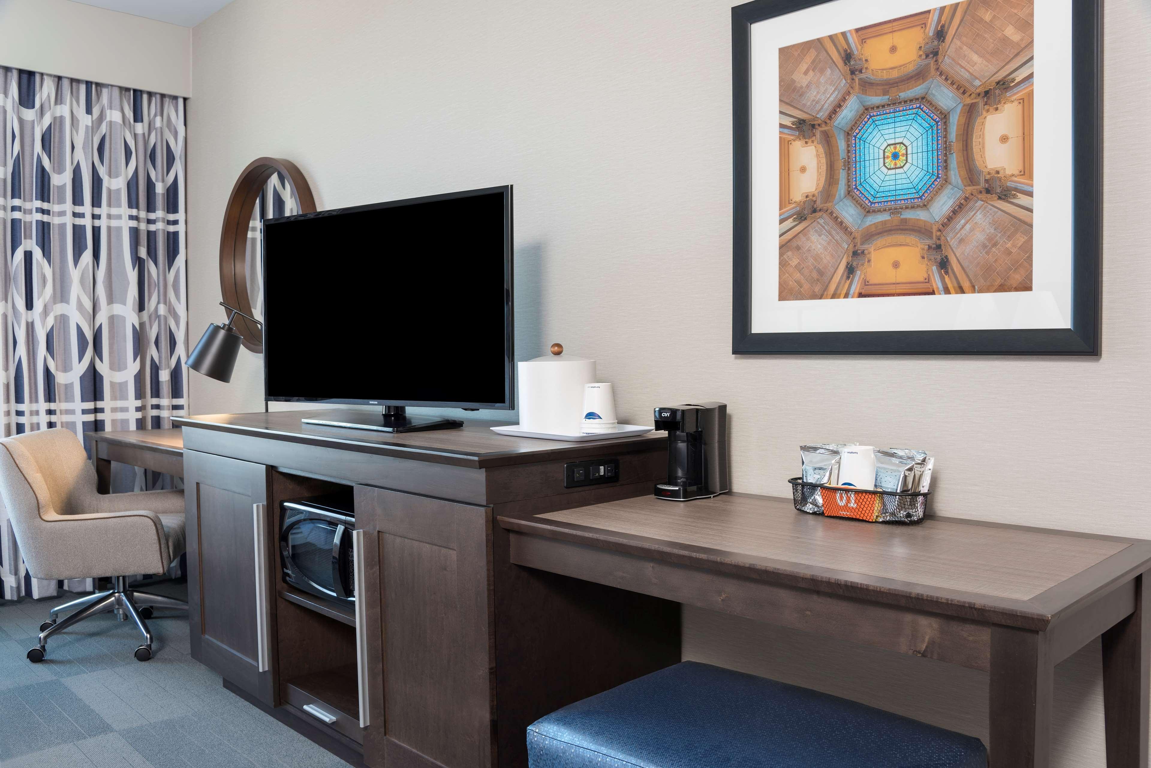 Hampton Inn & Suites Indianapolis-Keystone image 24