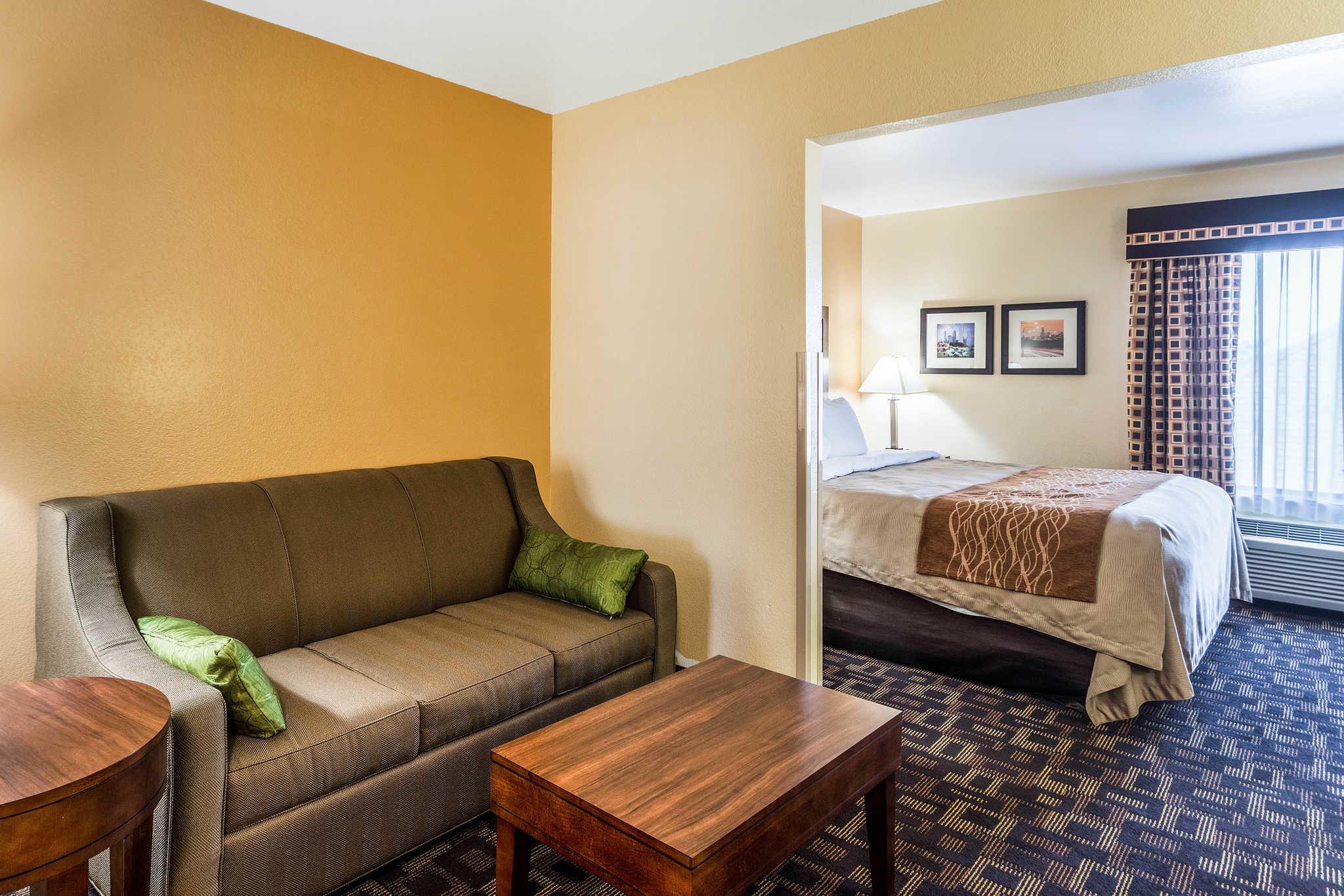 Comfort Inn & Suites North Aurora - Naperville image 22
