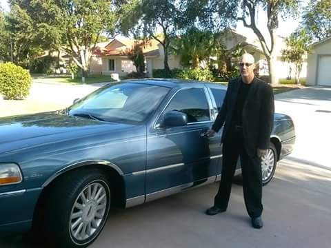 Limo Express- Lincoln Town Car, Sedan, Airport Transportation image 0