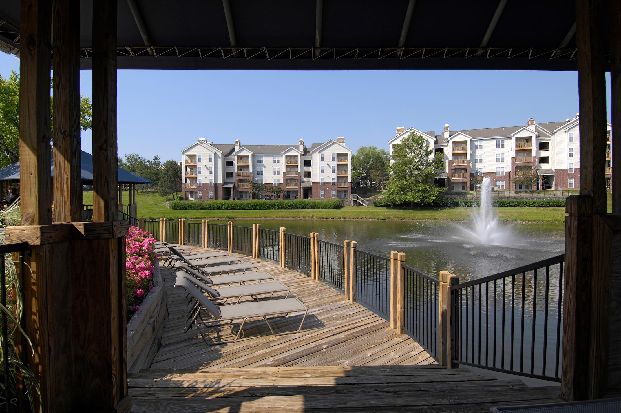 Lakeside Apartments image 15