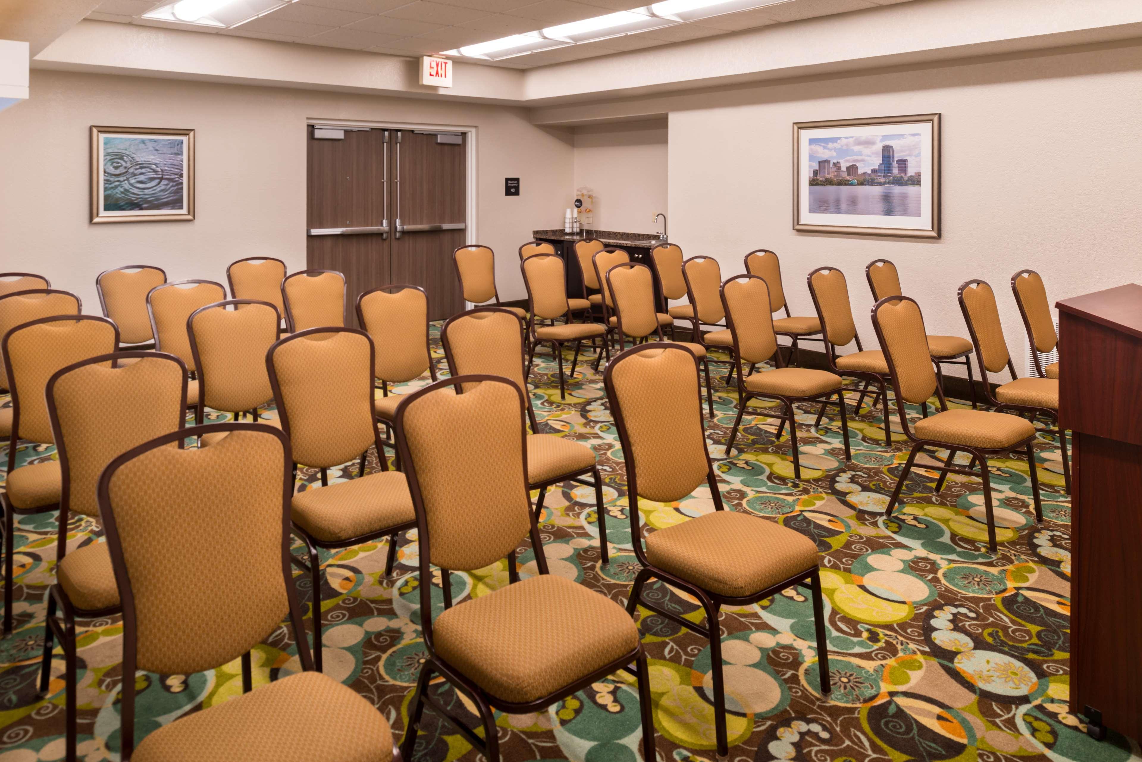 Hampton Inn & Suites Orlando/East UCF Area image 28