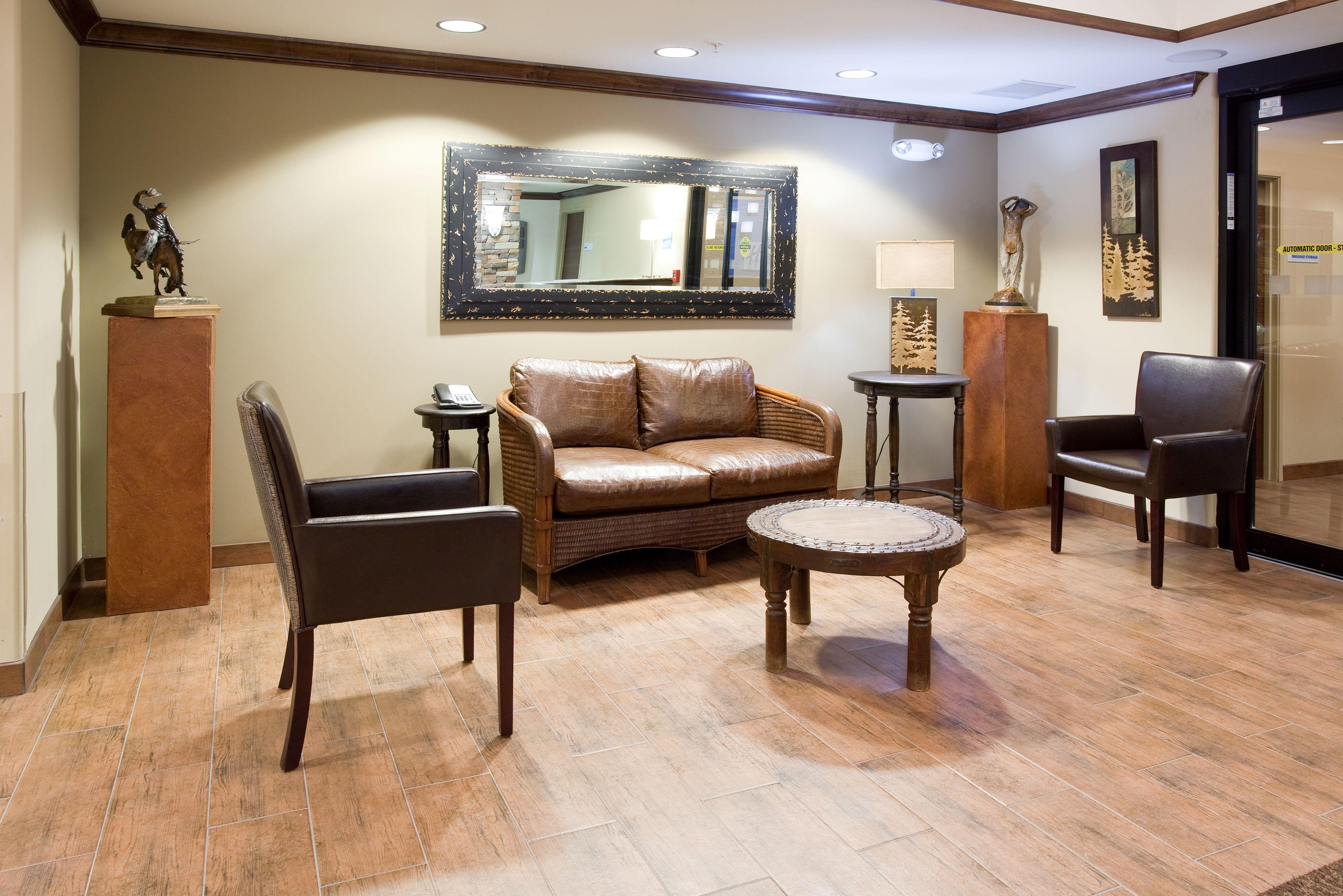 Holiday Inn Express & Suites Lander image 5