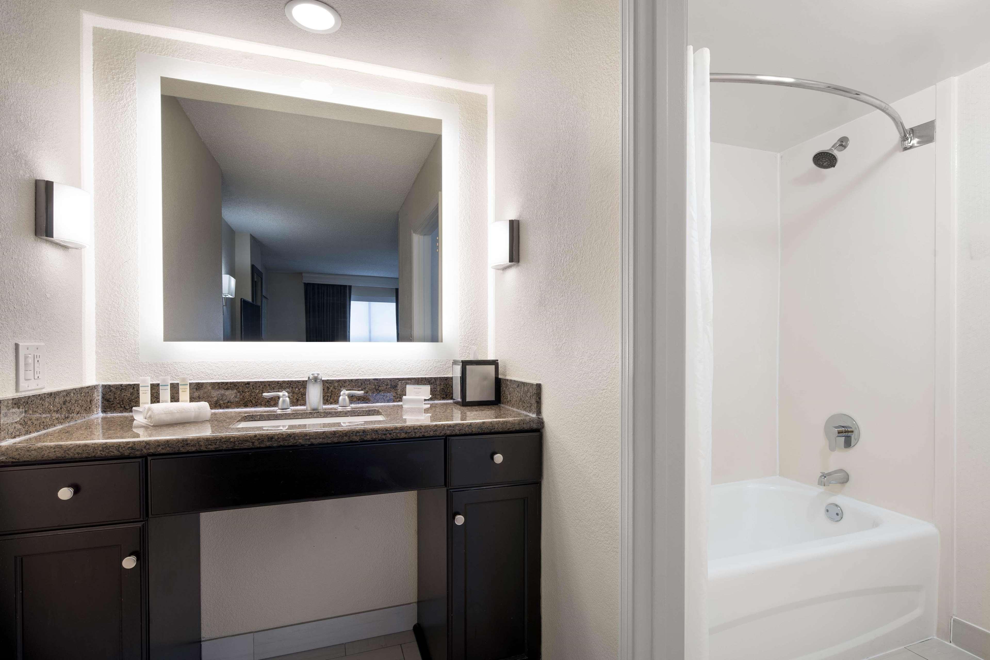 Homewood Suites by Hilton Anaheim-Main Gate Area image 34