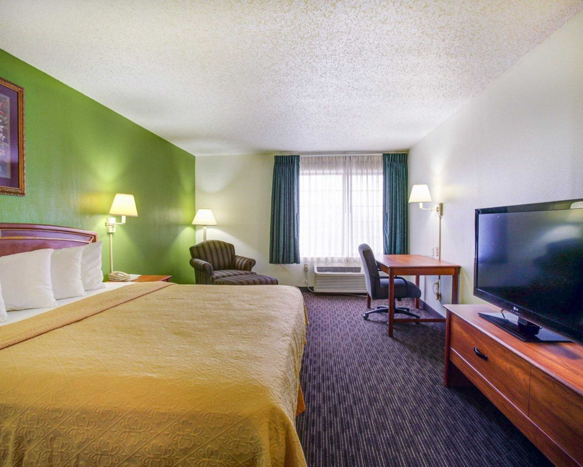 Quality Inn & Suites Airport image 4